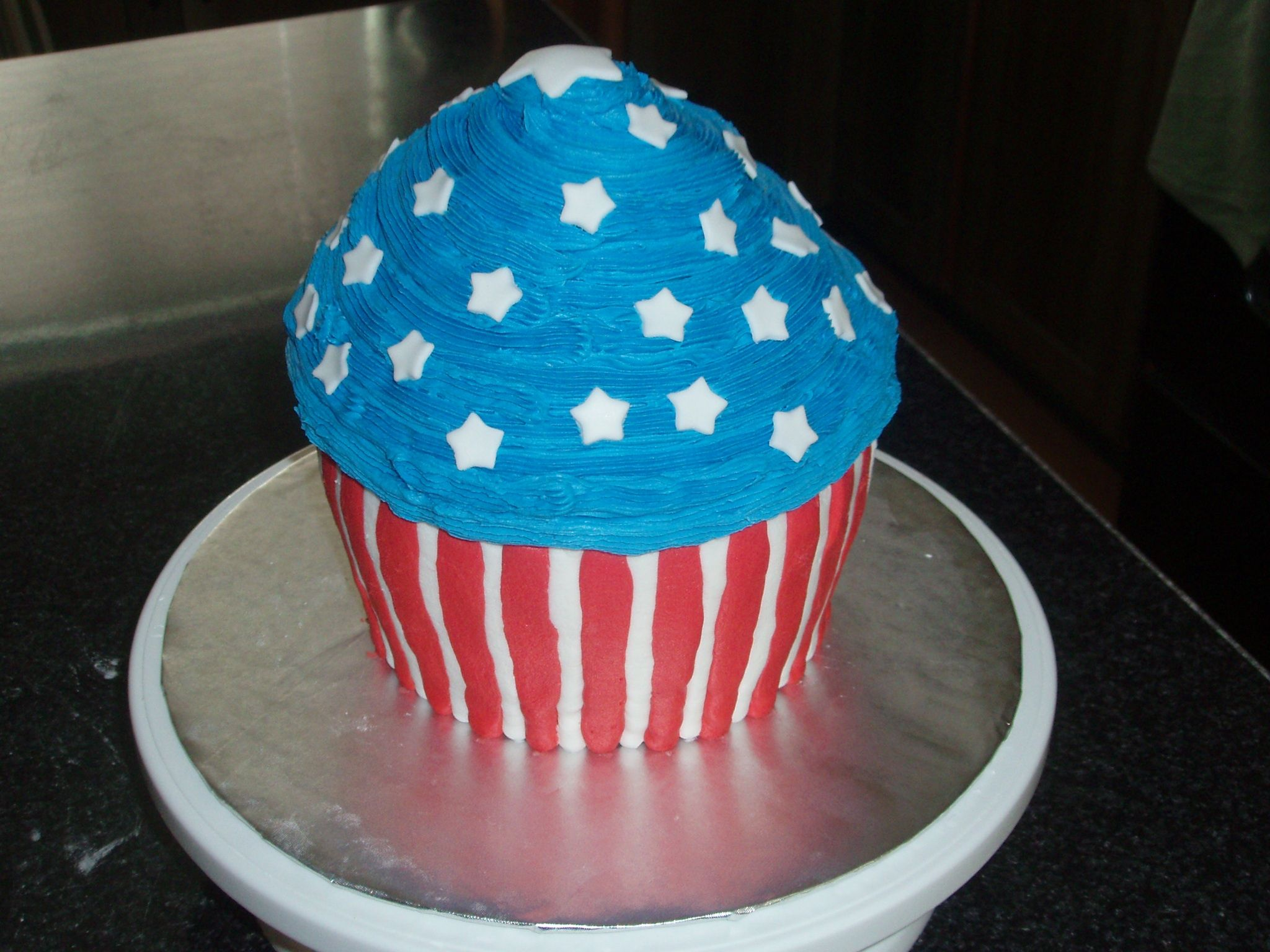 4th of july donut cake
