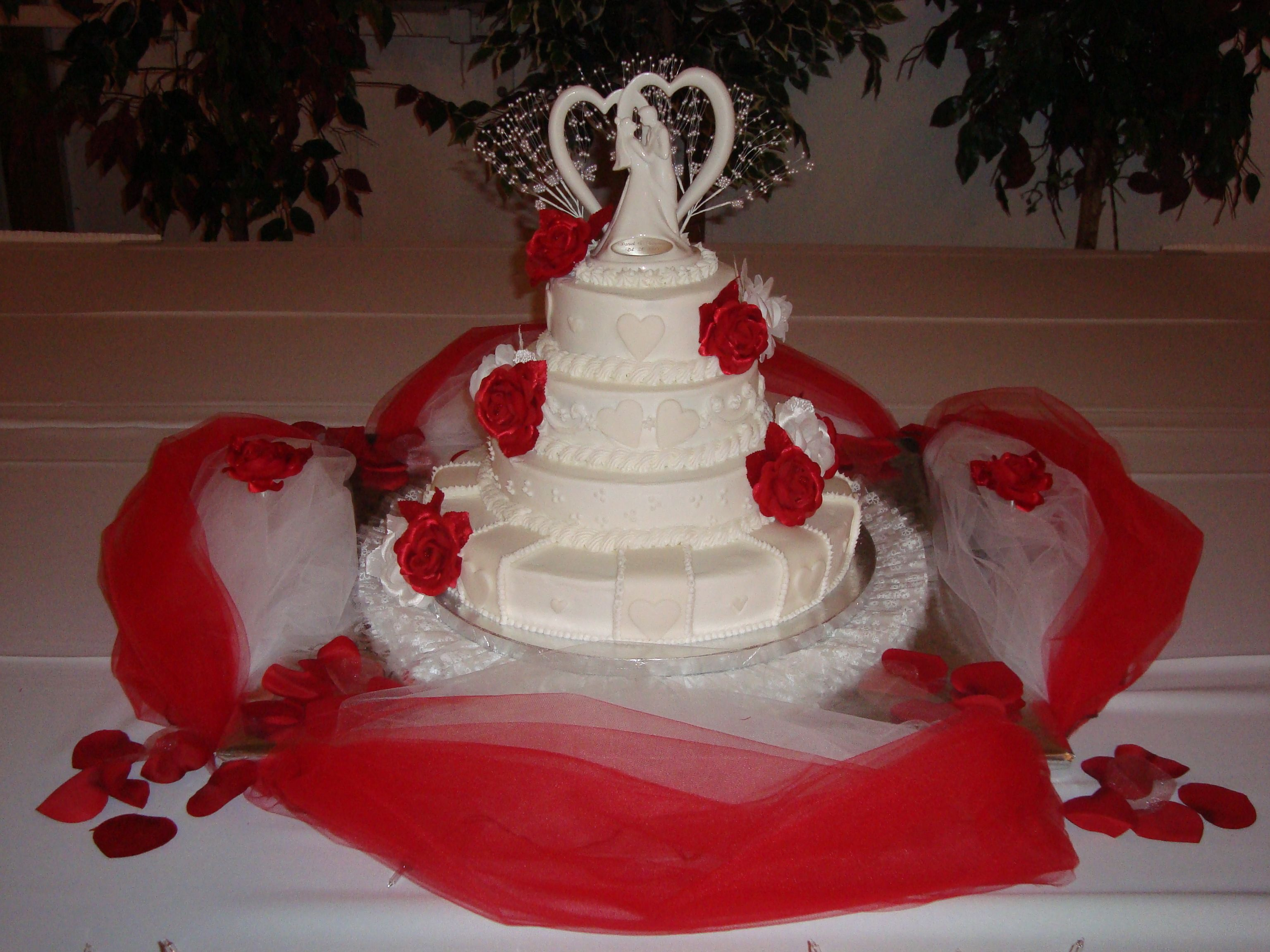 ... by Lisa {Lick It Or Not} on Diva Design Custom Cakes (Cakes)   Pi
