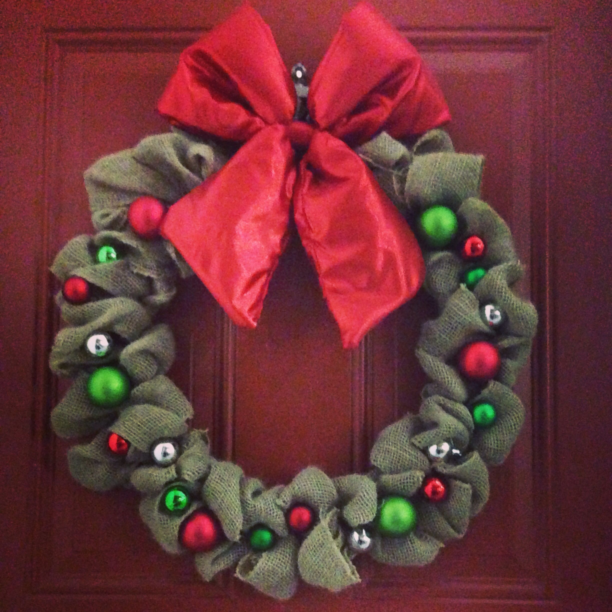 Burlap christmas wreath holiday ideas pinterest Burlap xmas wreath