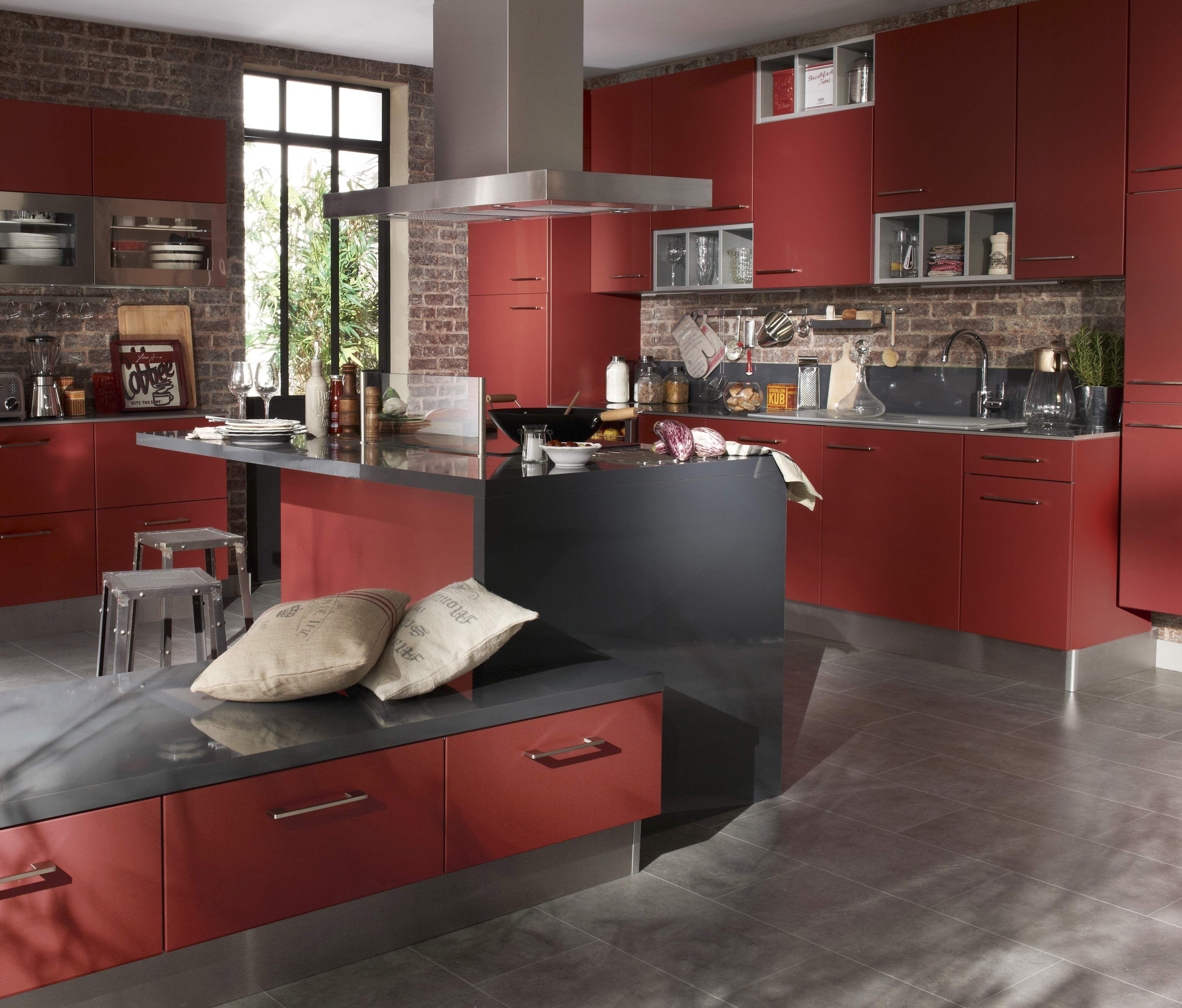 Idee Deco Chambre Gris Et Rose : Cuisine Tandem rouge pontiny mat  Nos cuisines étoilées