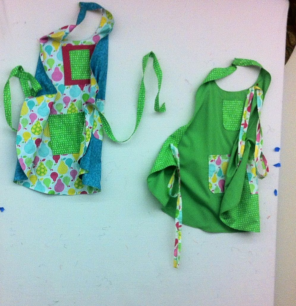Aprons reversible sewing small projects diy