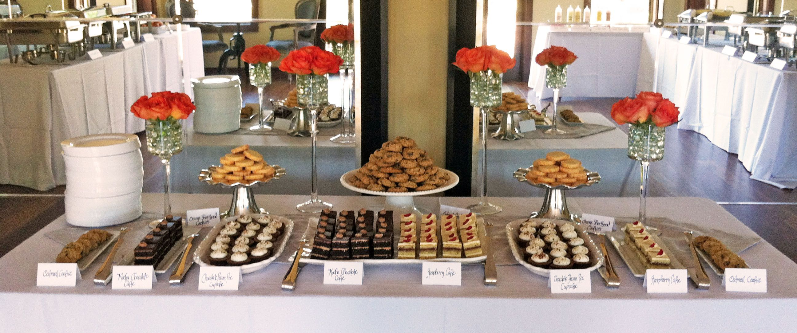 Dessert buffet table cake ideas and designs - Tables roulantes dessertes ...
