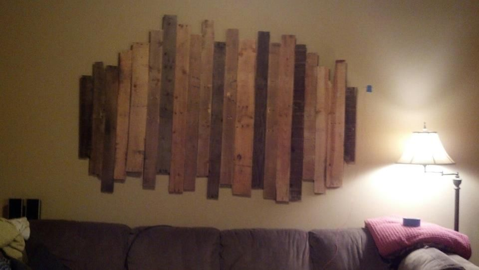 Pallet wood wall decor home sweet home pinterest for Pallet wall decor