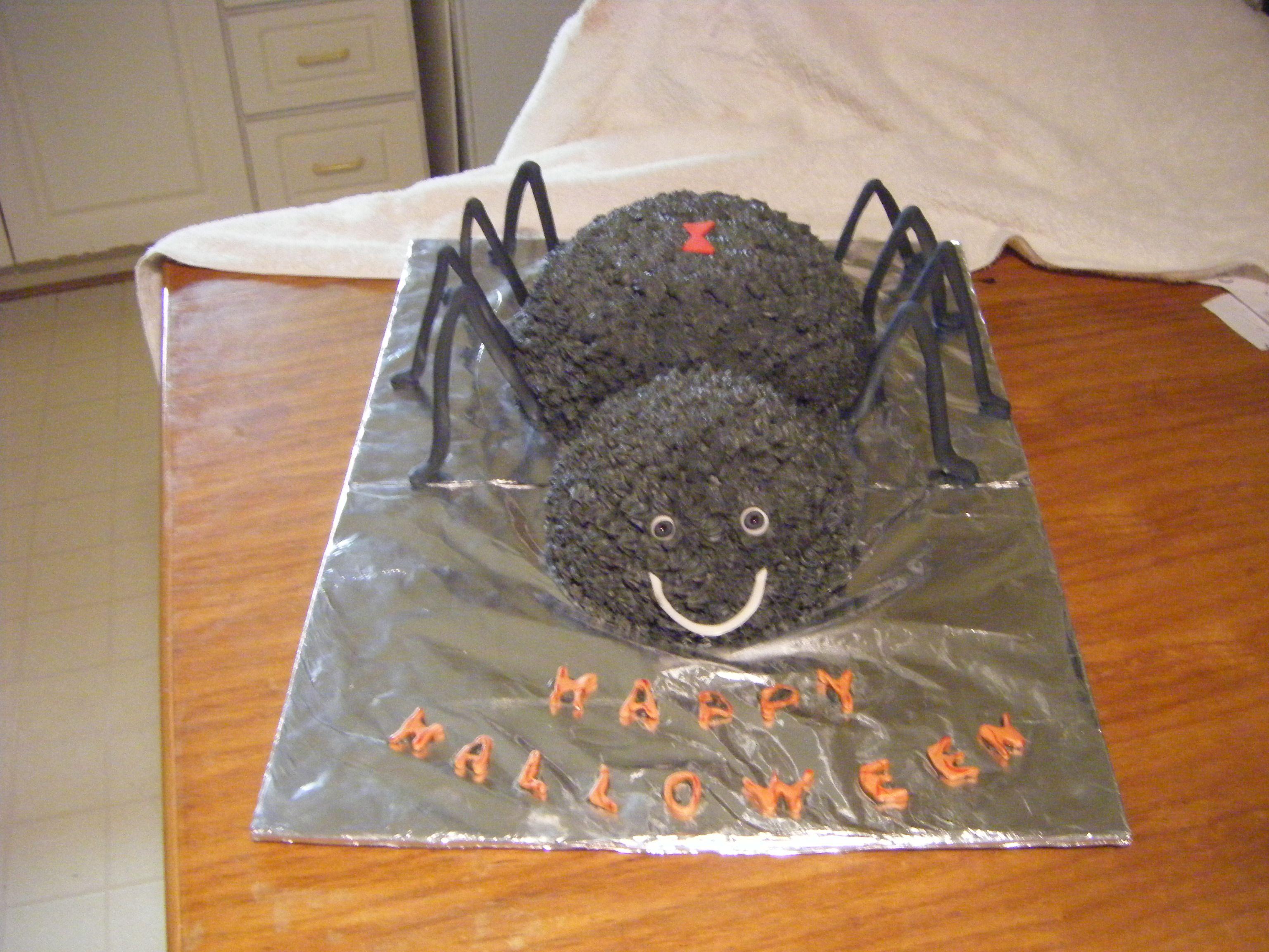 Halloween spider cake decoration