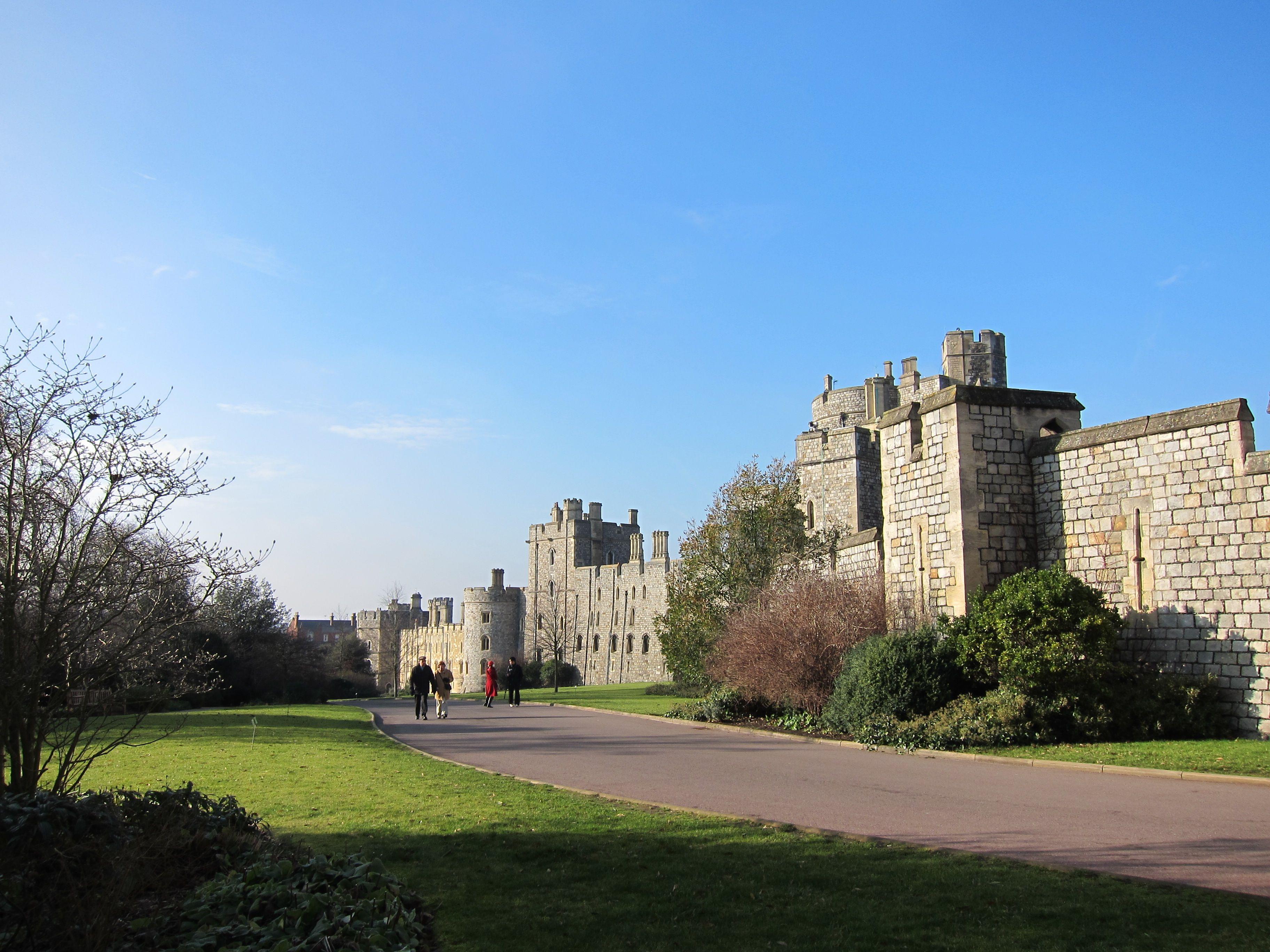 windsor castle in london england places i 39 ve been. Black Bedroom Furniture Sets. Home Design Ideas