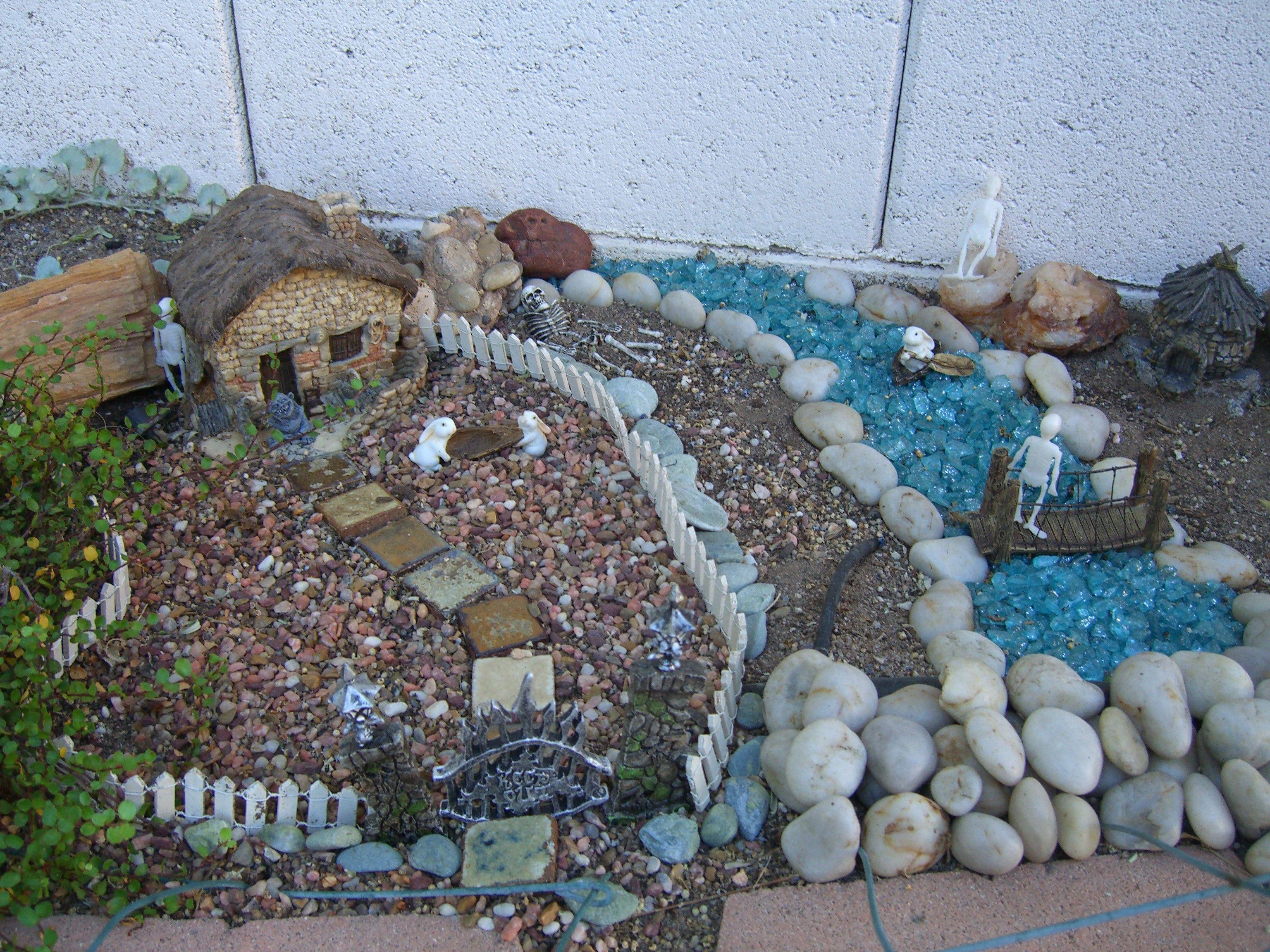 Spooky troll and fairy garden feetjies en dwergies for Garden trolls