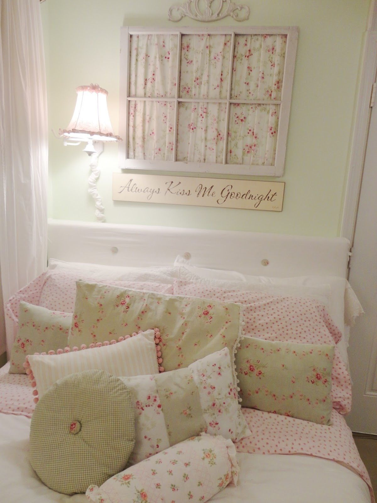 pareti shabby chic : Shabby chic bedroom Decorating/Remodeling ideas Pinterest