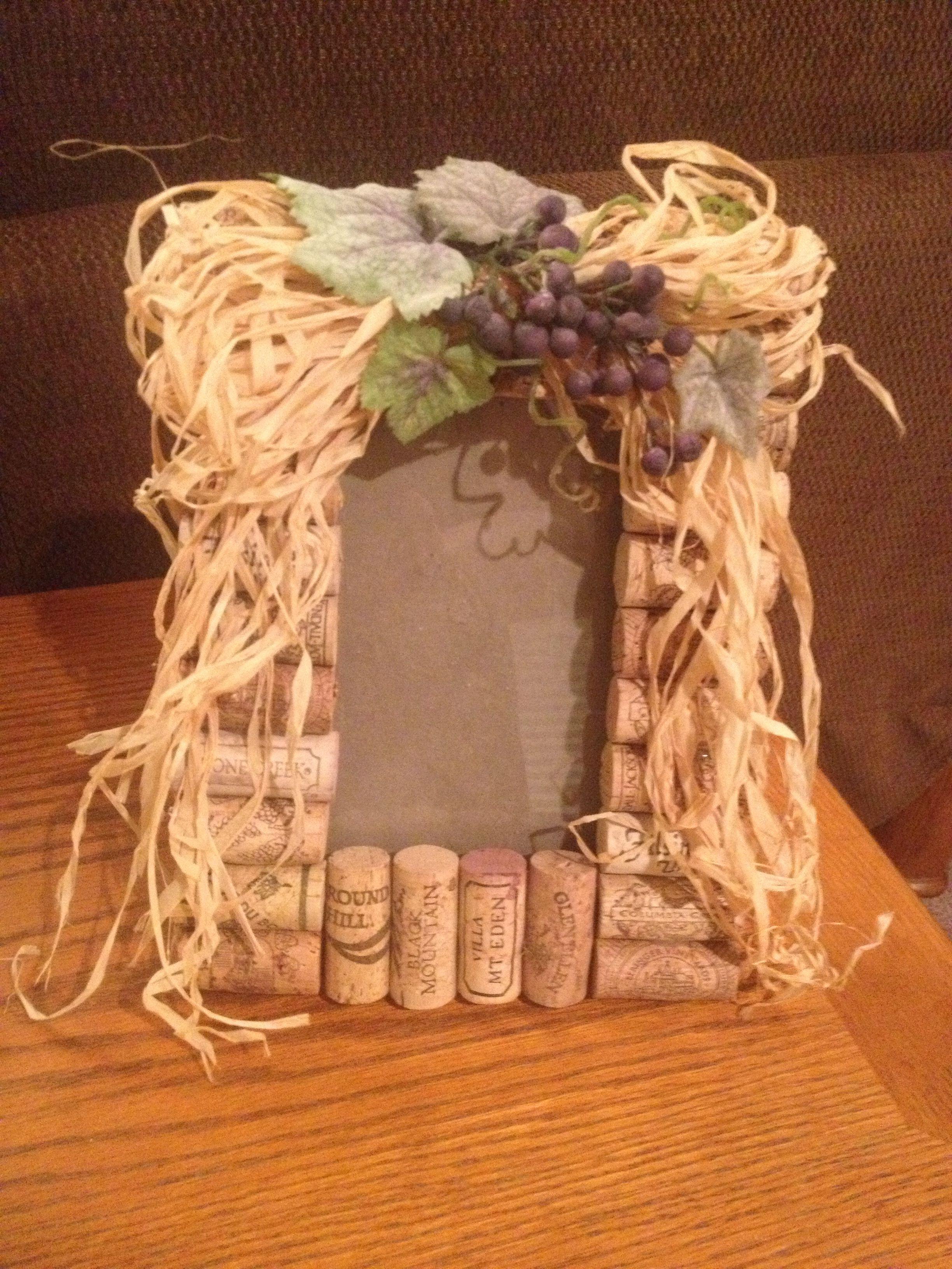 Wine cork picture frame  Wine Cork Designs  Pinterest