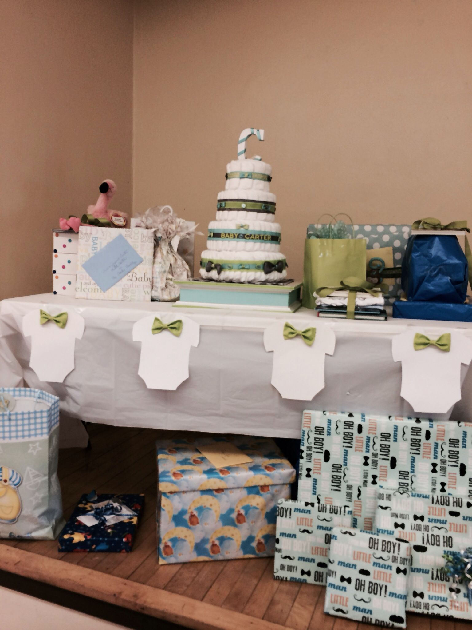 gift table lexi 39 s bow tie themed baby shower pinterest