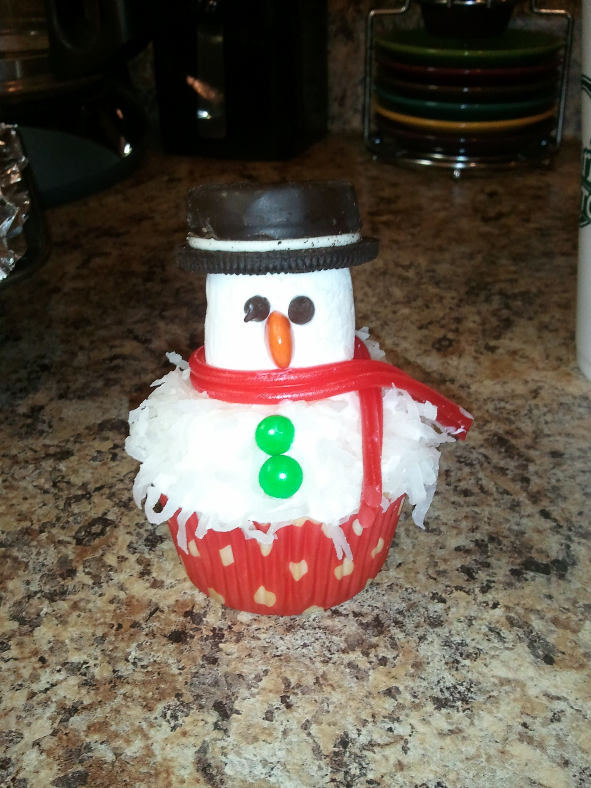 Marshmallow and coconut snowman cupcakes | Because I love food | Pint ...