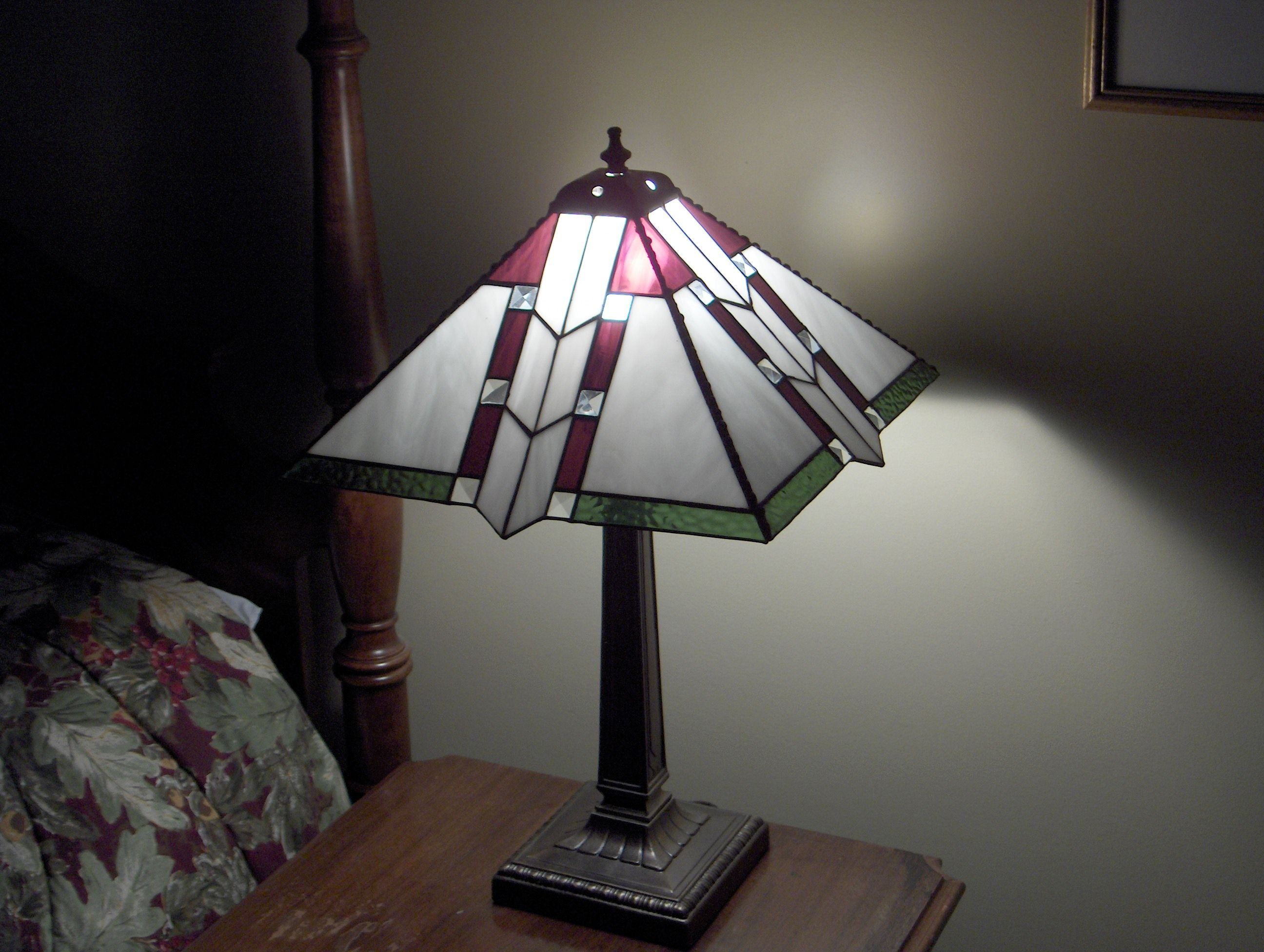 stained glass lamp shade stained glass ideas pinterest. Black Bedroom Furniture Sets. Home Design Ideas