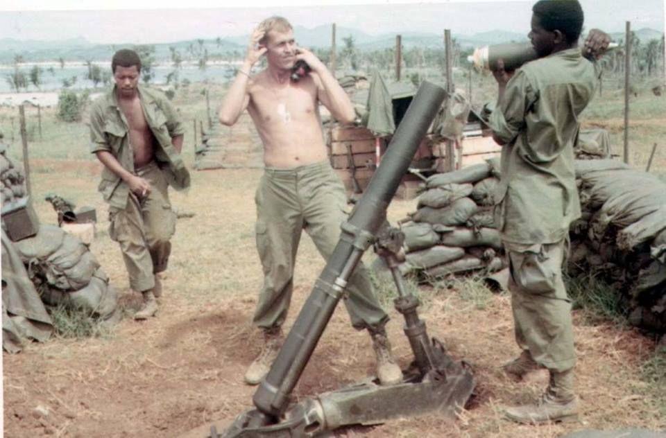 Vietnam Mortar Fire : Mm mortar getting ready to fire vietnam war pictures