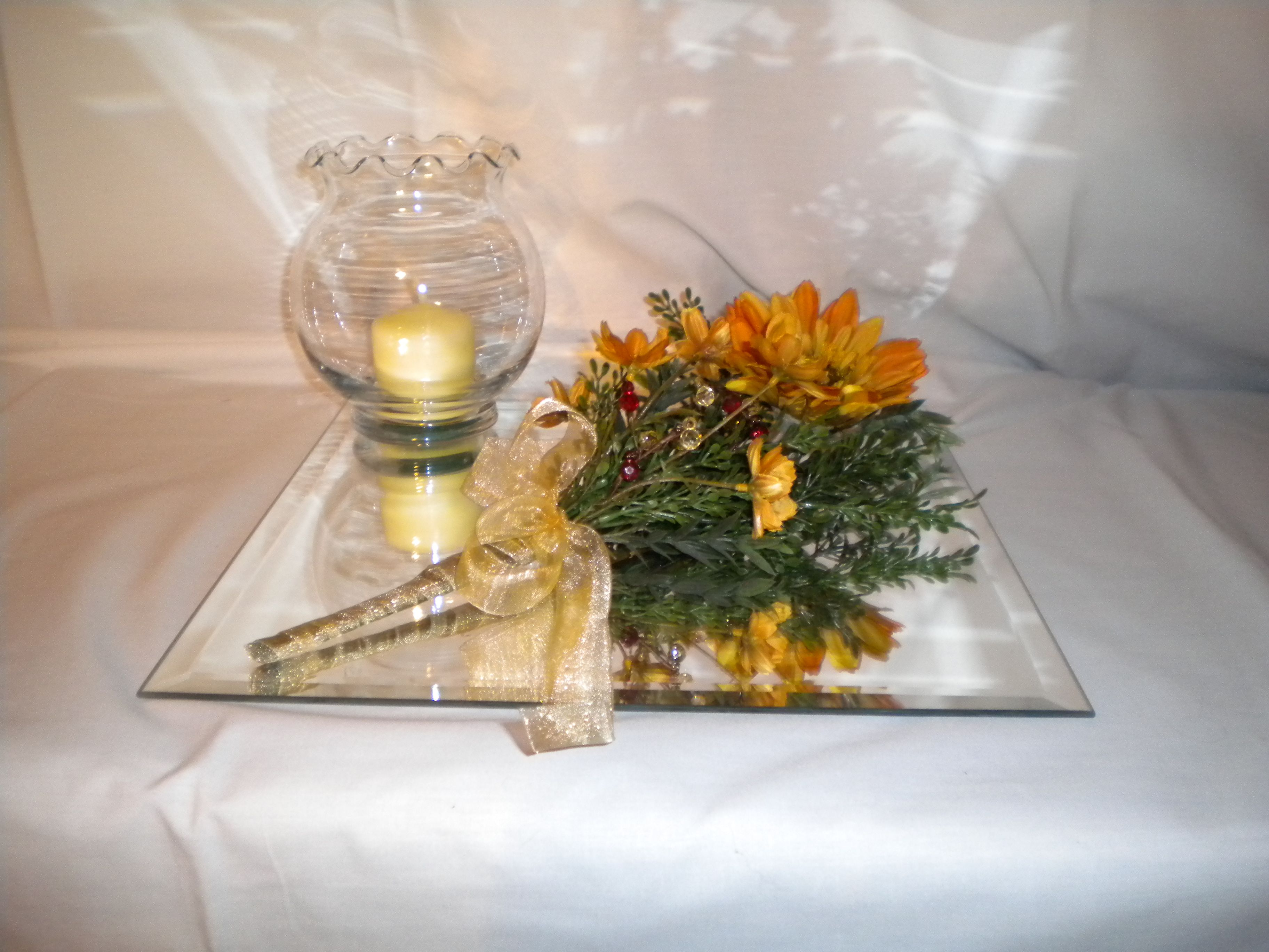 Wonderful gold decorations for 50th wedding anniversary for Decoration 50th anniversary