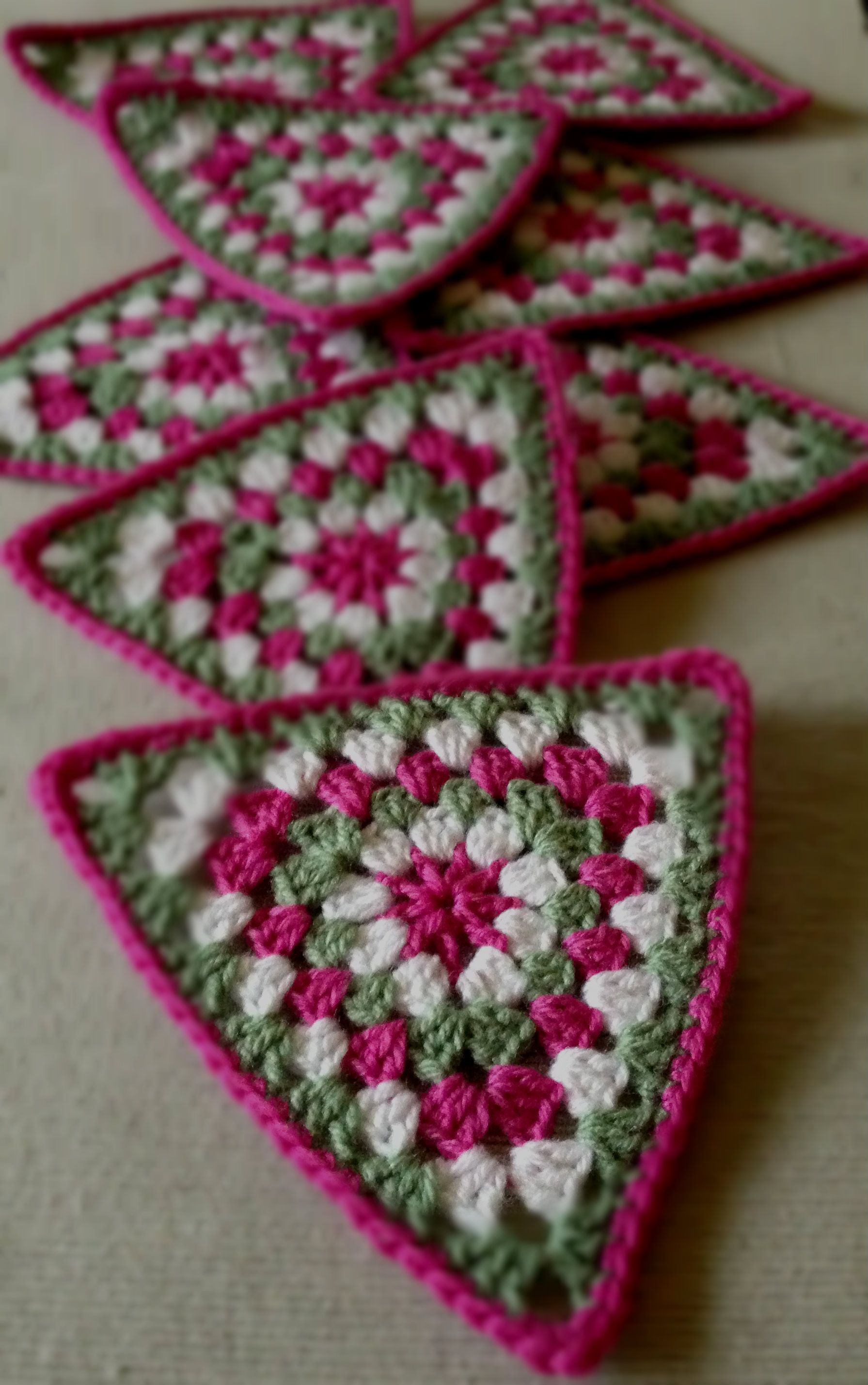 Crochet Triangle : Crochet granny triangle Crochet Pinterest