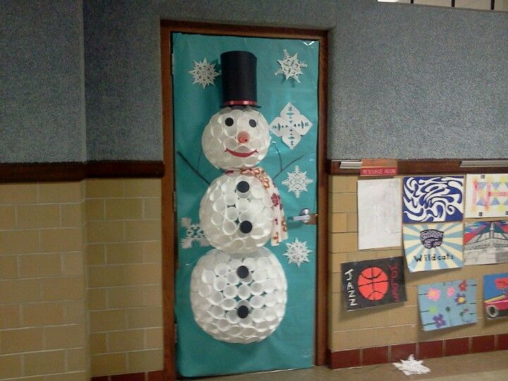 Classroom Ideas For Christmas : Classroom door christmas decorations crafts pinterest