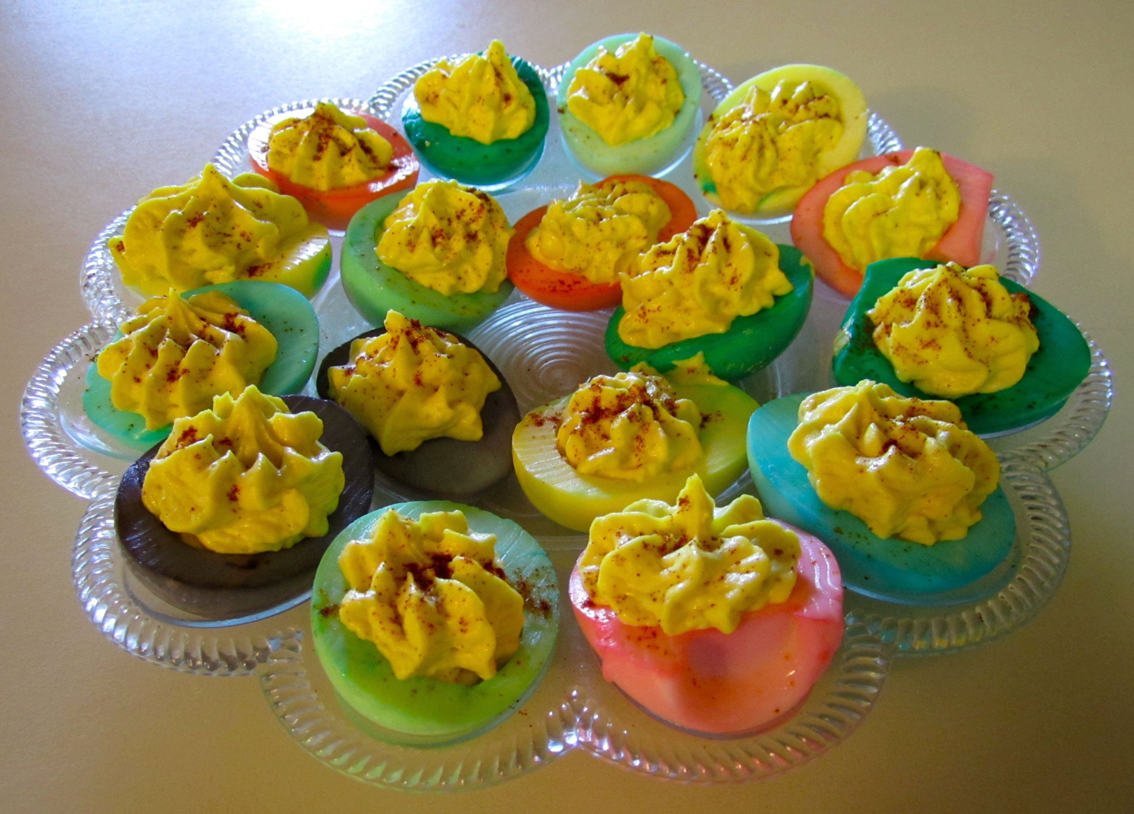 Adult easter eggs cook this pinterest for What to put in easter eggs for adults