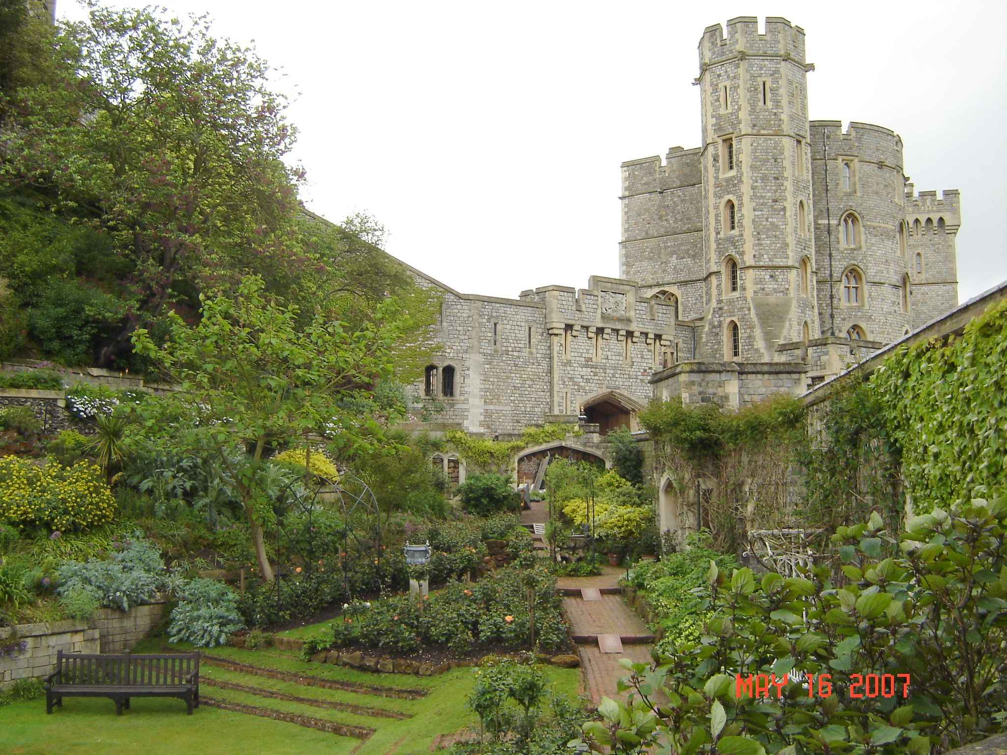 windsor castle london travel london places i want to. Black Bedroom Furniture Sets. Home Design Ideas