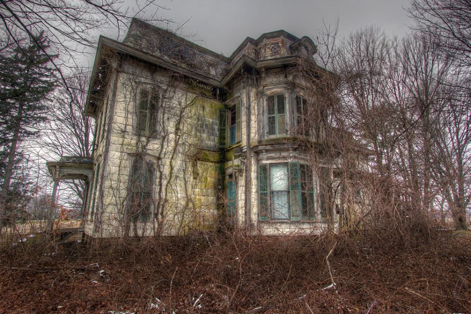 No description haunted houses pinterest for Pinterest haunted house