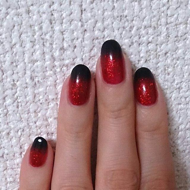 ネイル 黒 赤 グラデーション