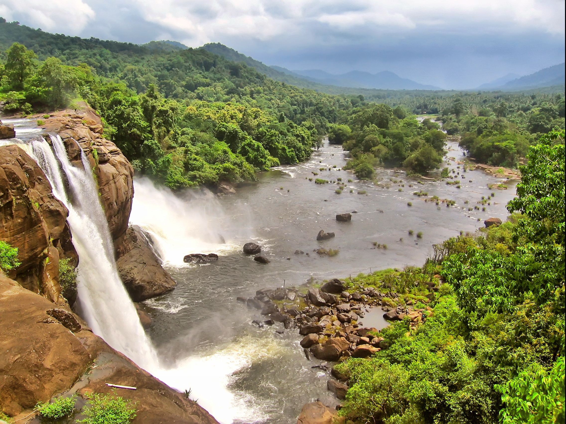 Athirapilly Falls Kerala Beautiful Places In India Pinterest