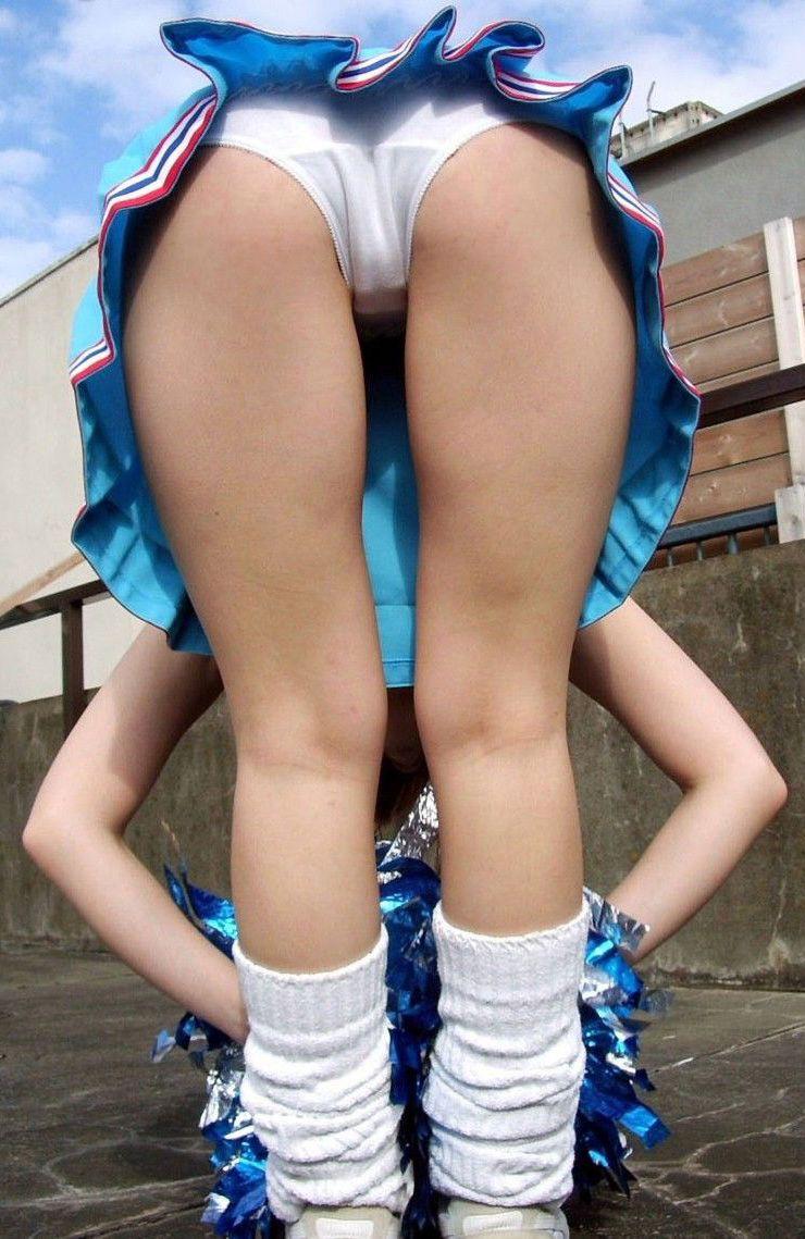 Cheerleader bent over upskirt candid