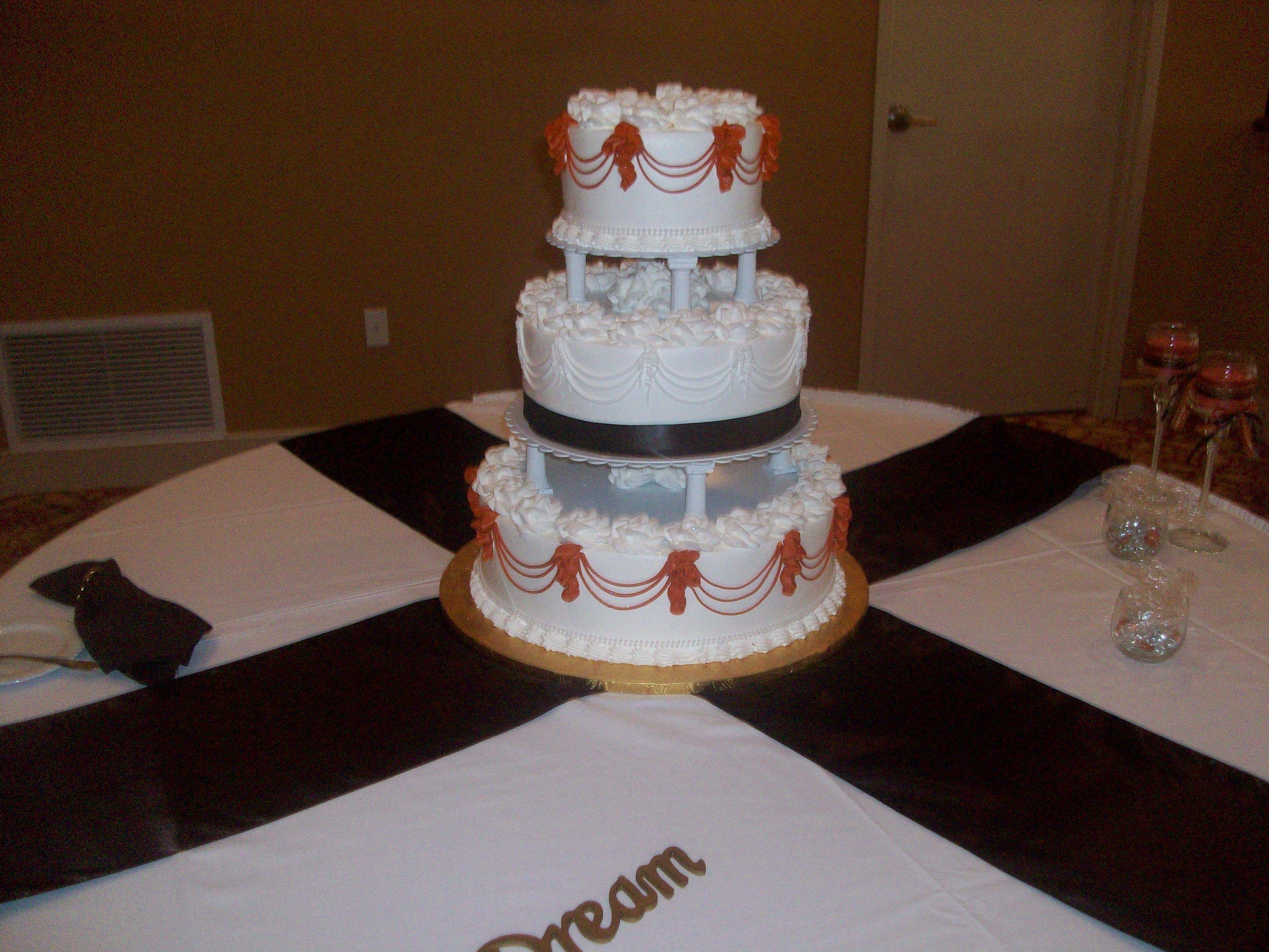 Calumet Bakery Wedding Cake