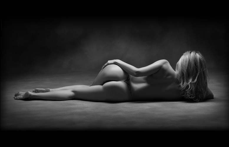 black and white nude women № 40948