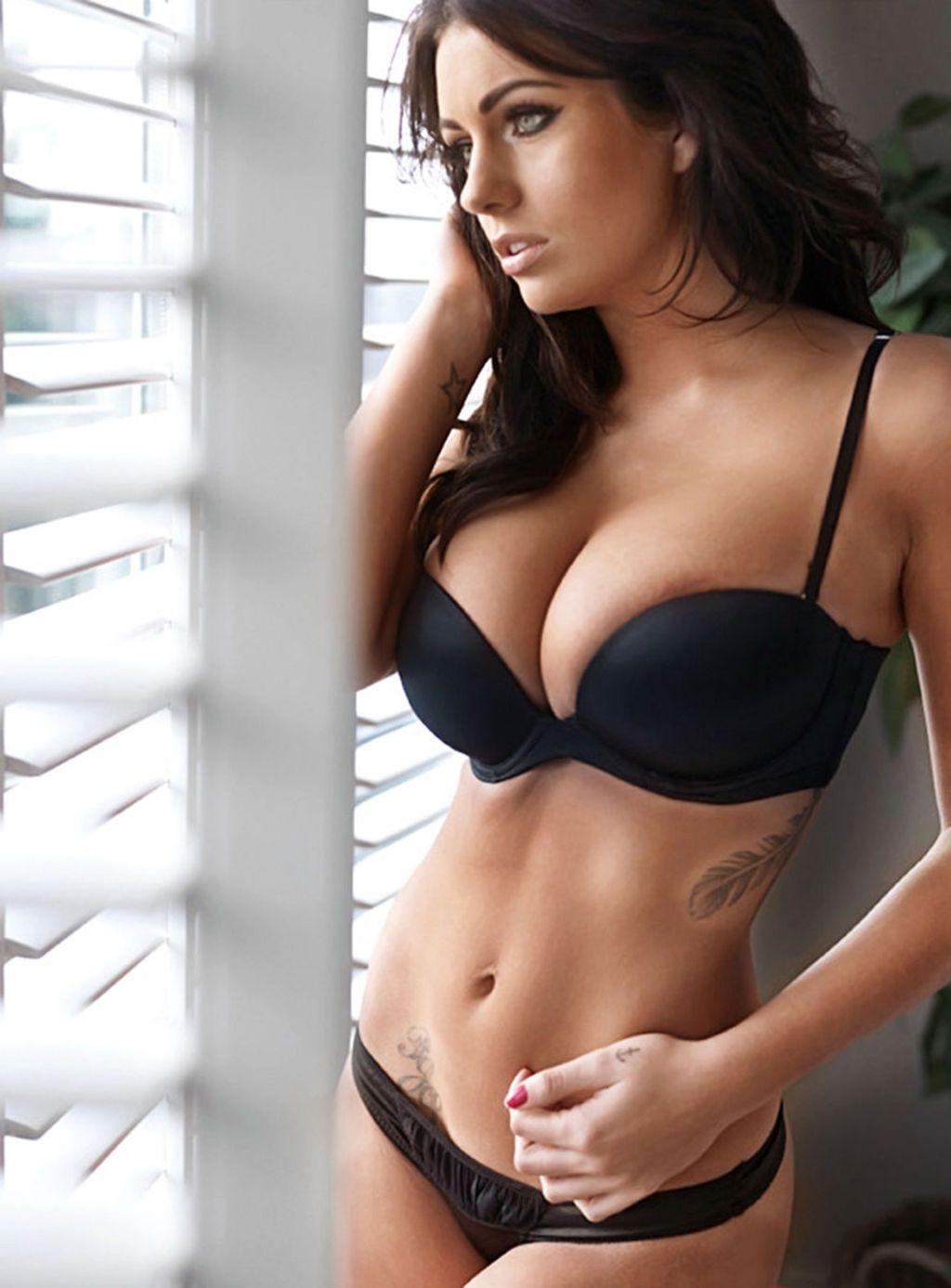 Single deluxe breast pump from medela