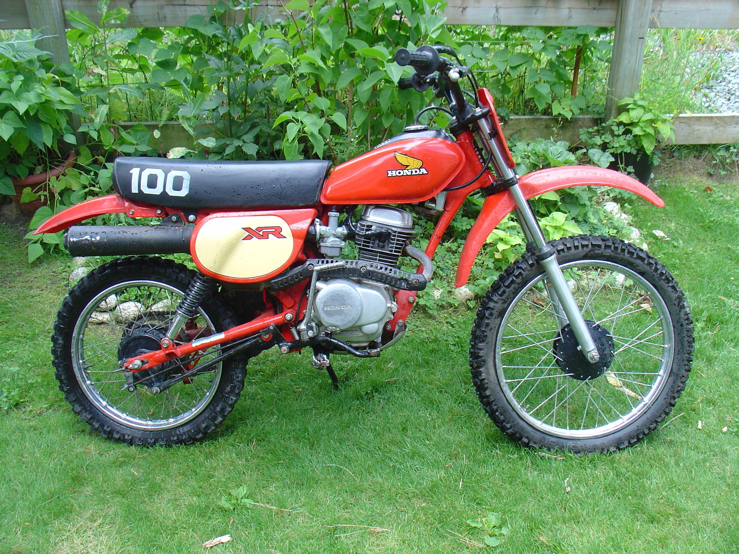 Austins 82 Honda Xr100 Vintage Off Road Bike Pinterest