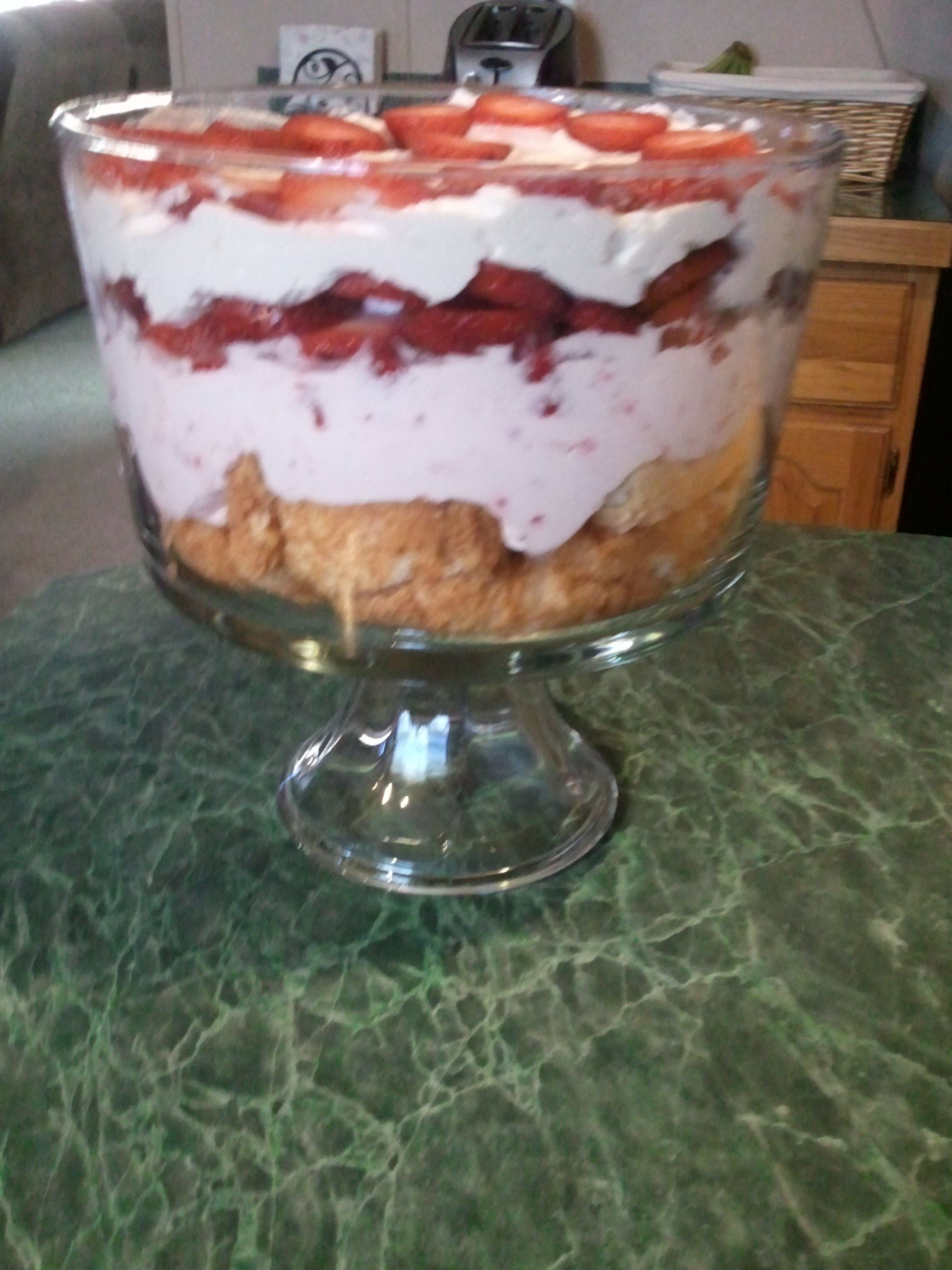 Strawberry shortcake trifle | My cooking skills | Pinterest