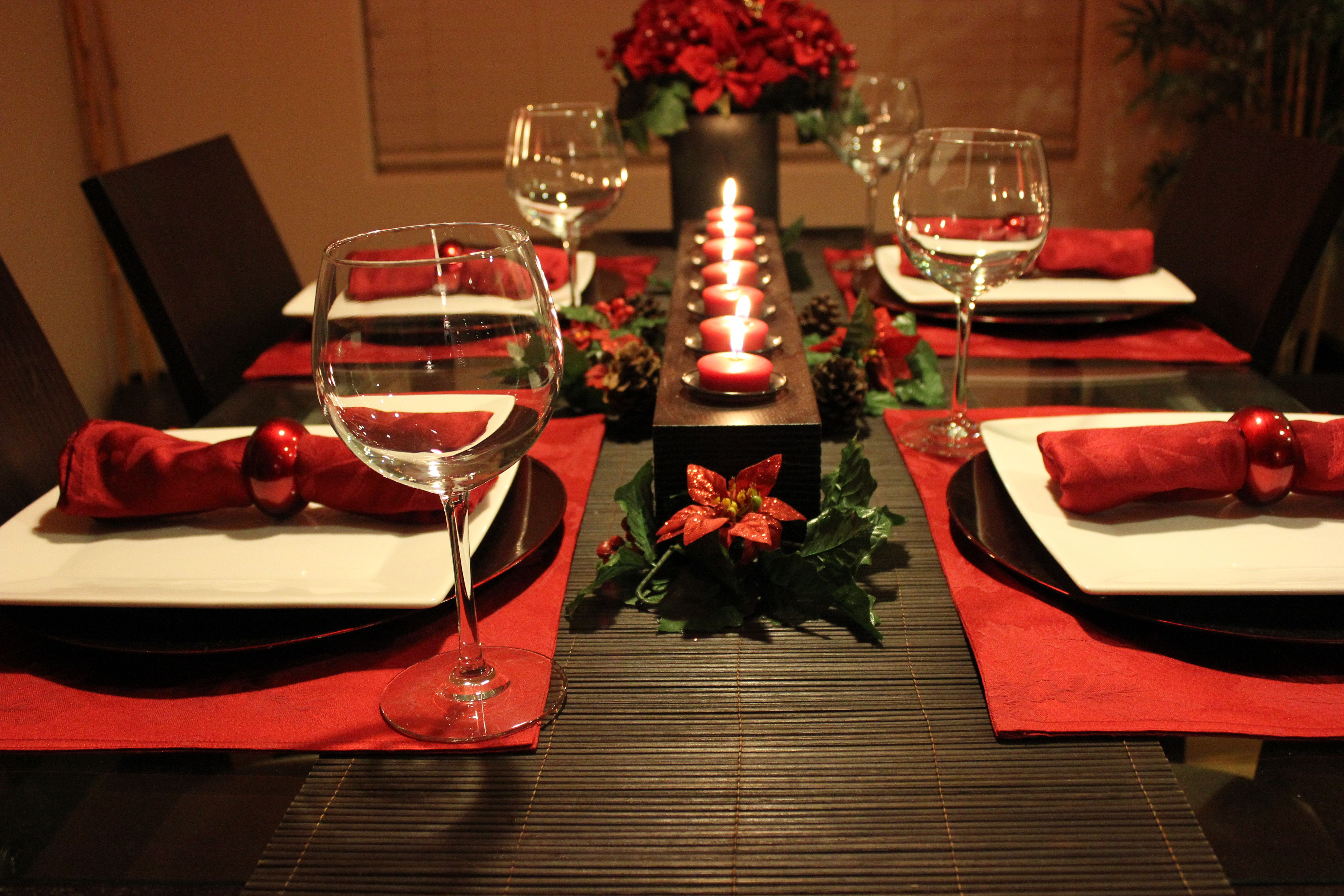 Christmas dinner table setting party decor pinterest Christmas party table settings