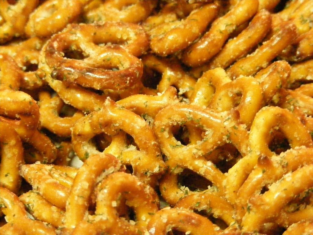Ranch Pretzels! Absolutely Delicious! | n o m s . | Pinterest
