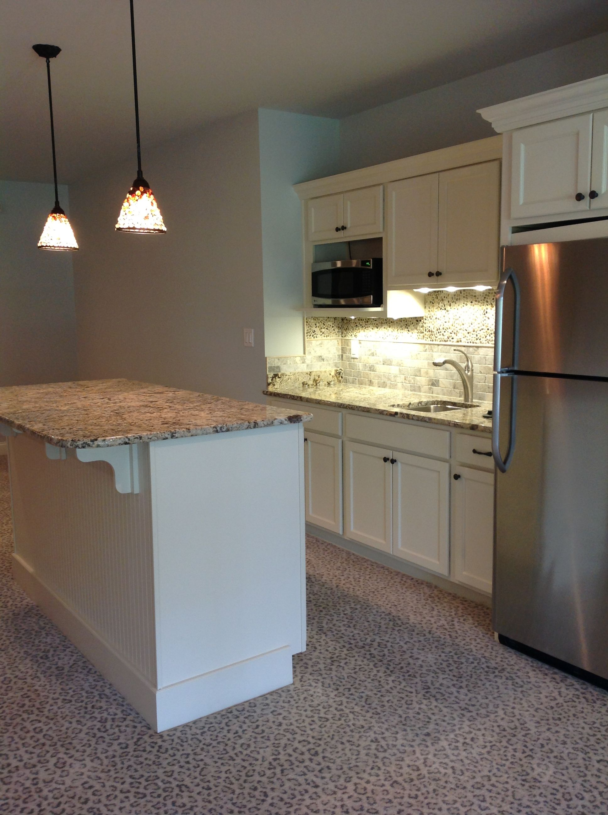 Basement kitchenette kitchens pinterest for Tiny kitchenette ideas