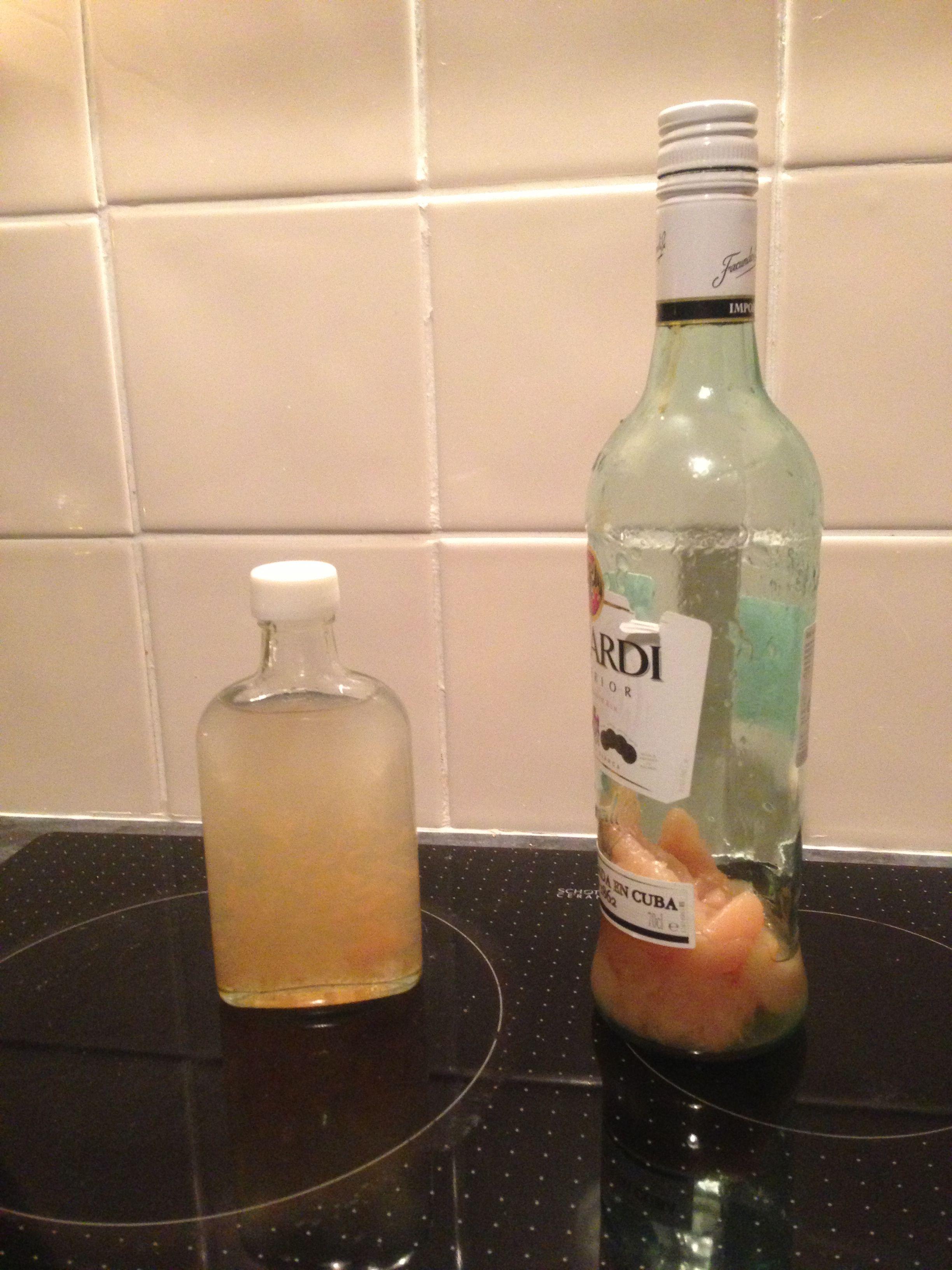 Homemade peach schnapps as favours | Wedding Ideas 2014 | Pinterest
