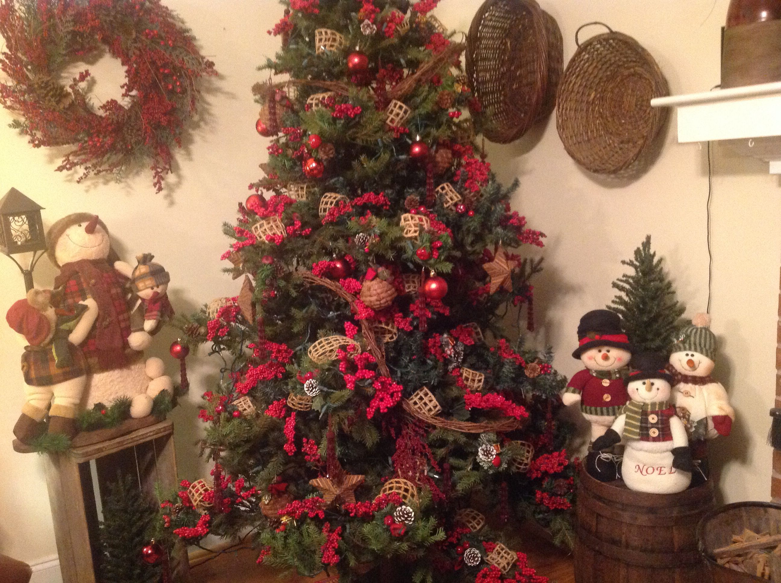 Christmas tree christmas decorations pinterest for Pinterest home decor xmas
