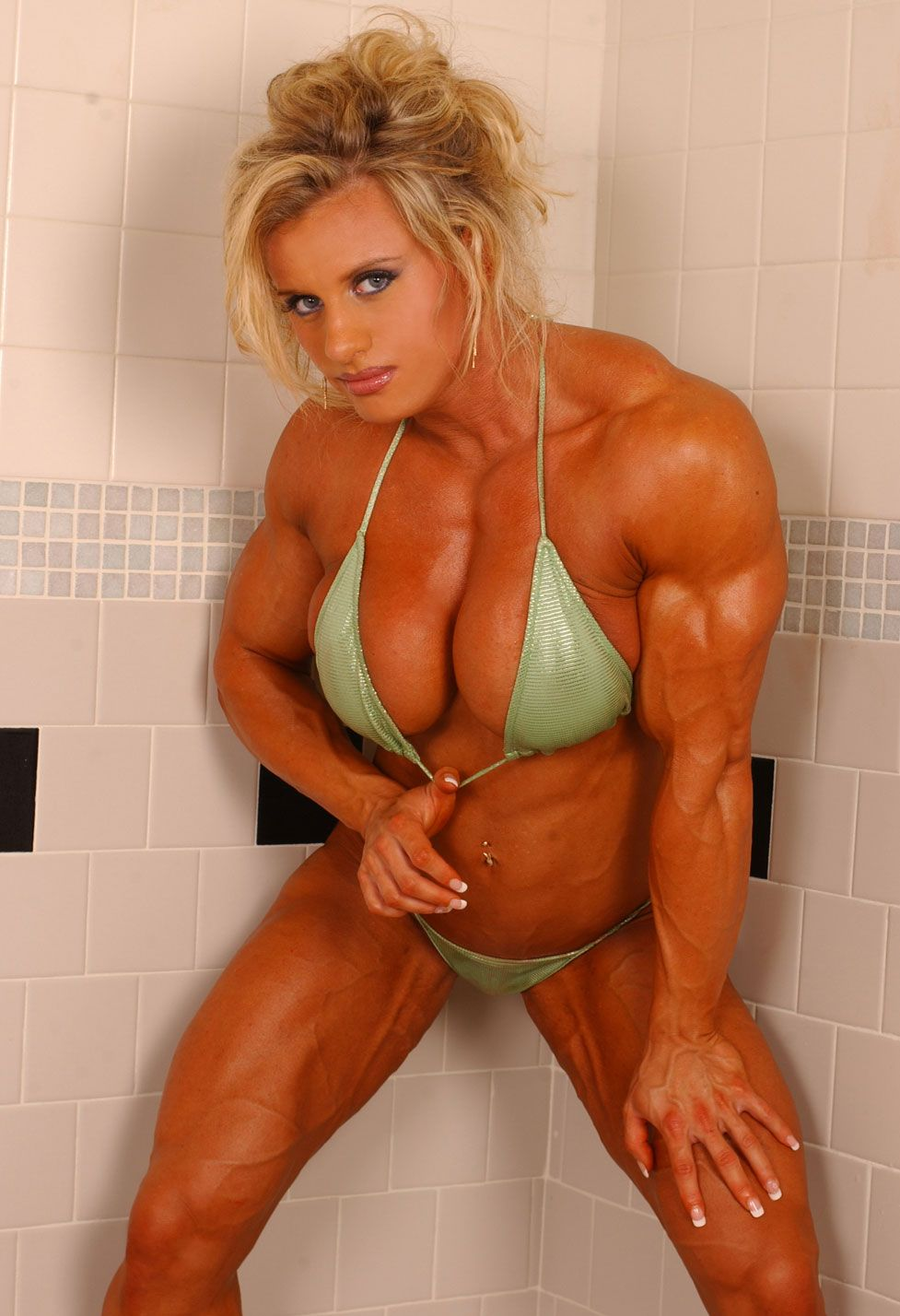 Joanna Thomas | MUSCLE GODDESSES - Thank God For Steroids ...