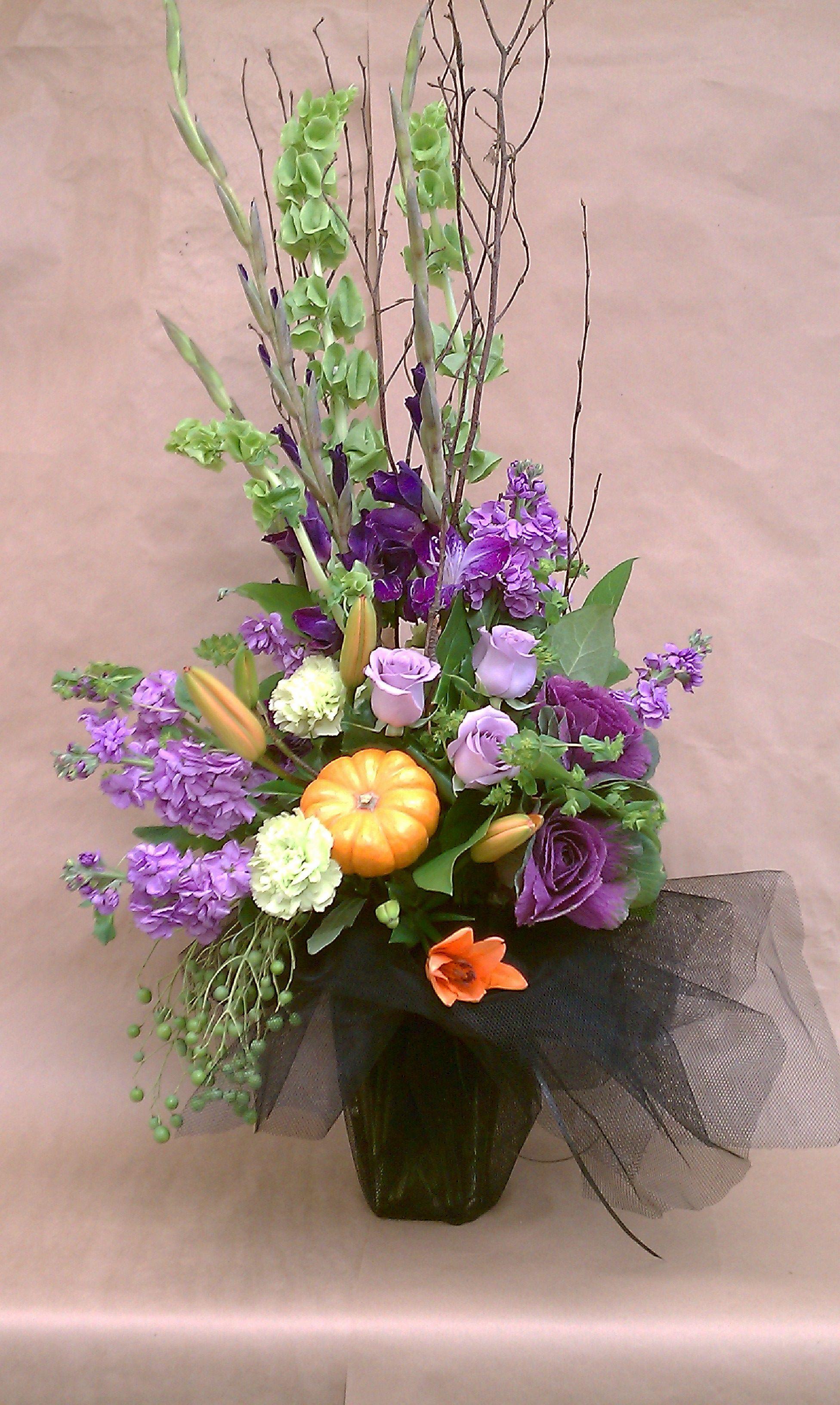 Halloween arrangement floral ideas pinterest for Ideas for floral arrangements