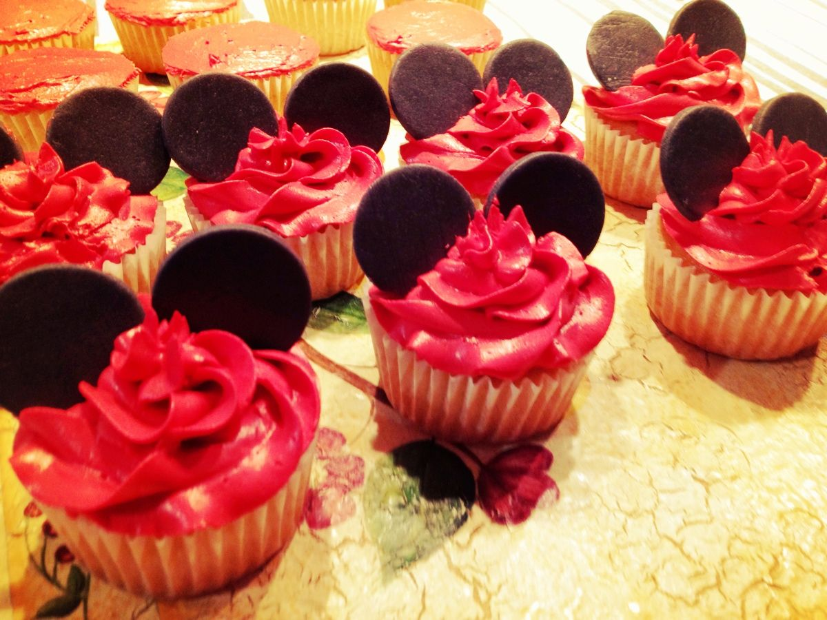 Pictures Of Mickey Mouse Cupcakes : Mickey Mouse cupcakes Cupcakes Pinterest