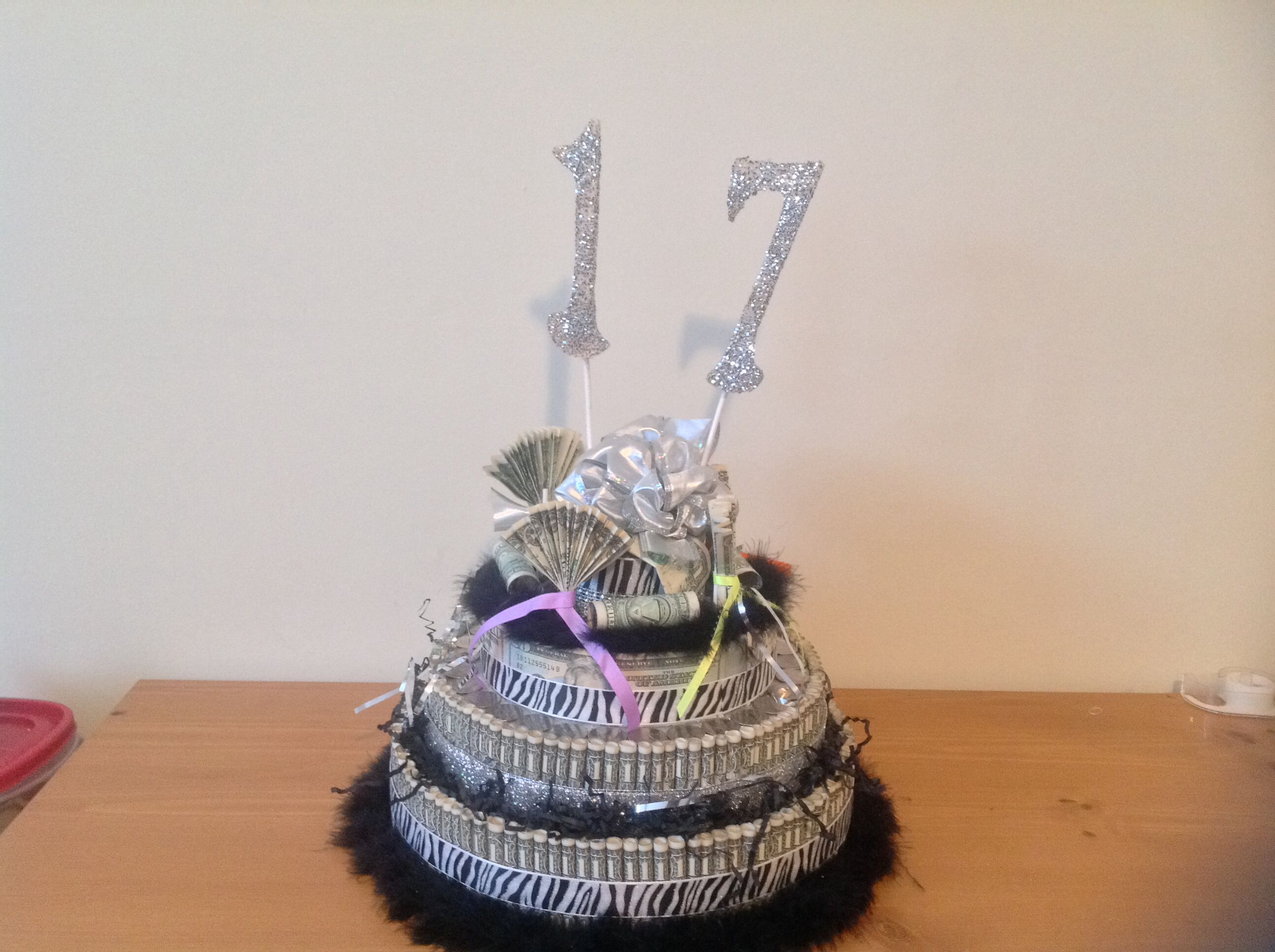 Cake Designs For 17 Year Old Boy : 17 year old money birthday cake Angela s Unique Gifts ...