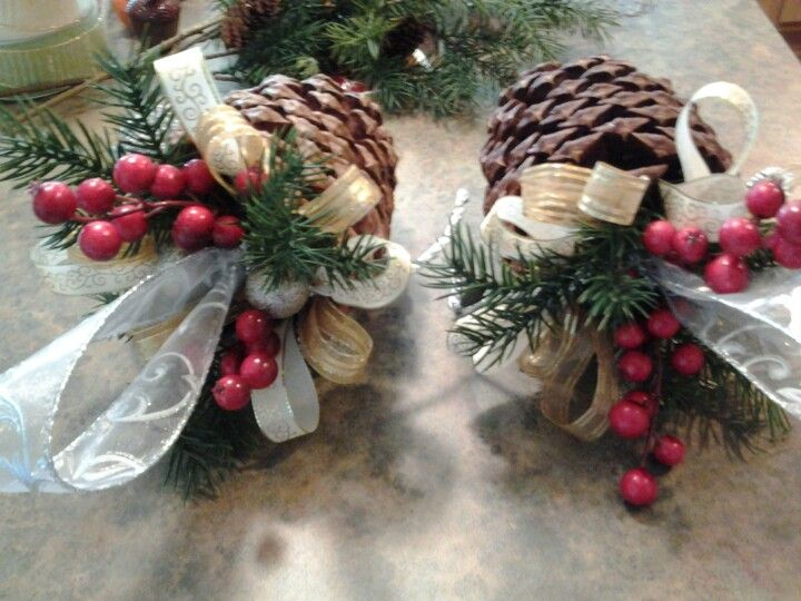 Pin by valerie dedmon on pine cone projects pinterest for Christmas projects with pine cones