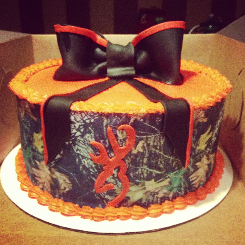 Camo cake Gabby Meriles Landreth Cakes
