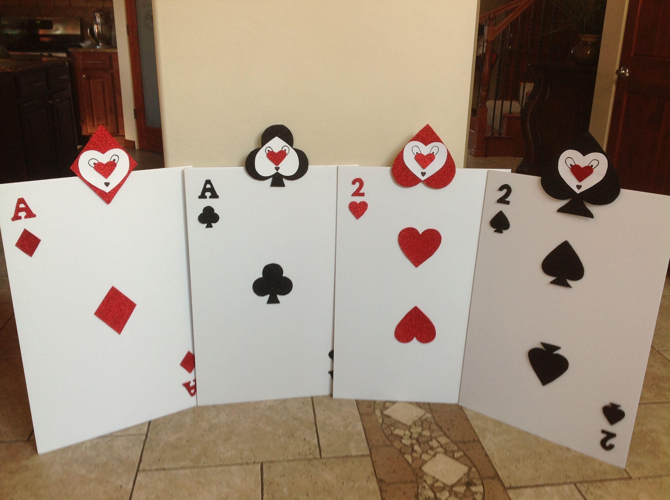 Alice In Wonderland Card Soldiers