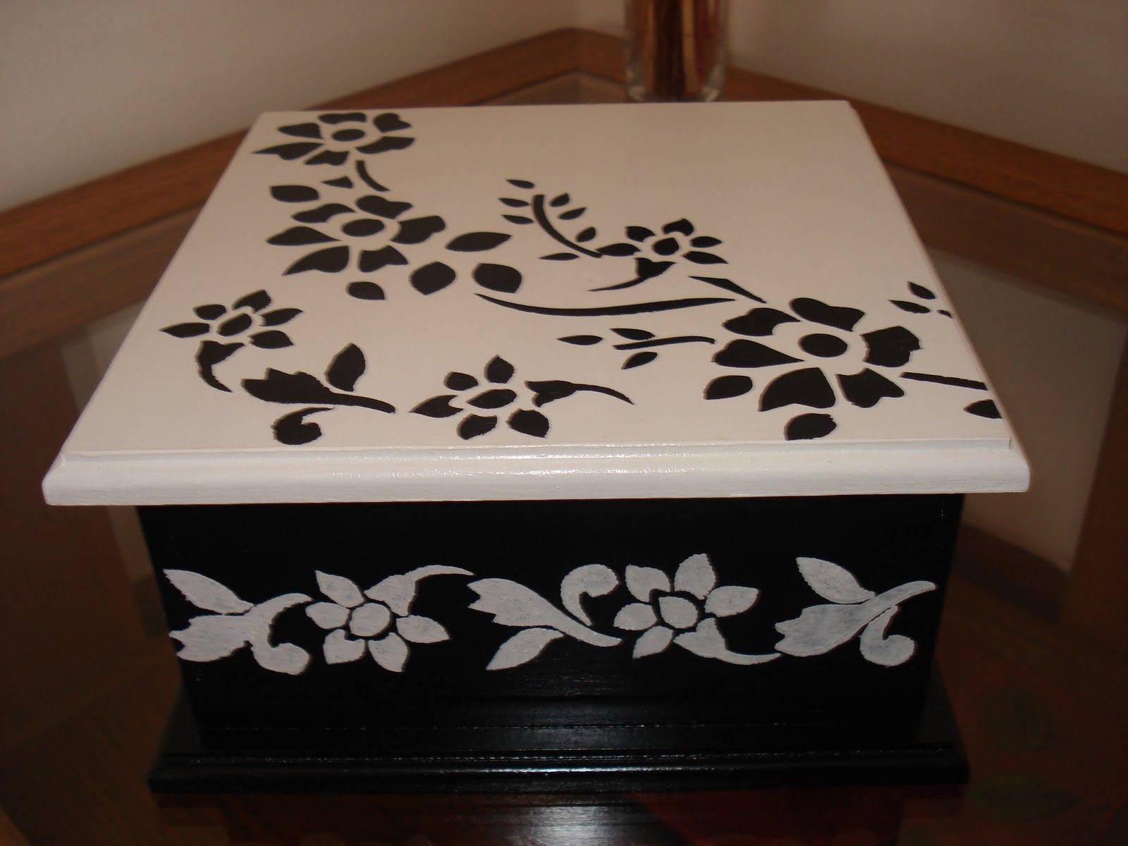 Fotos de cajas de madera pintadas a mano 75