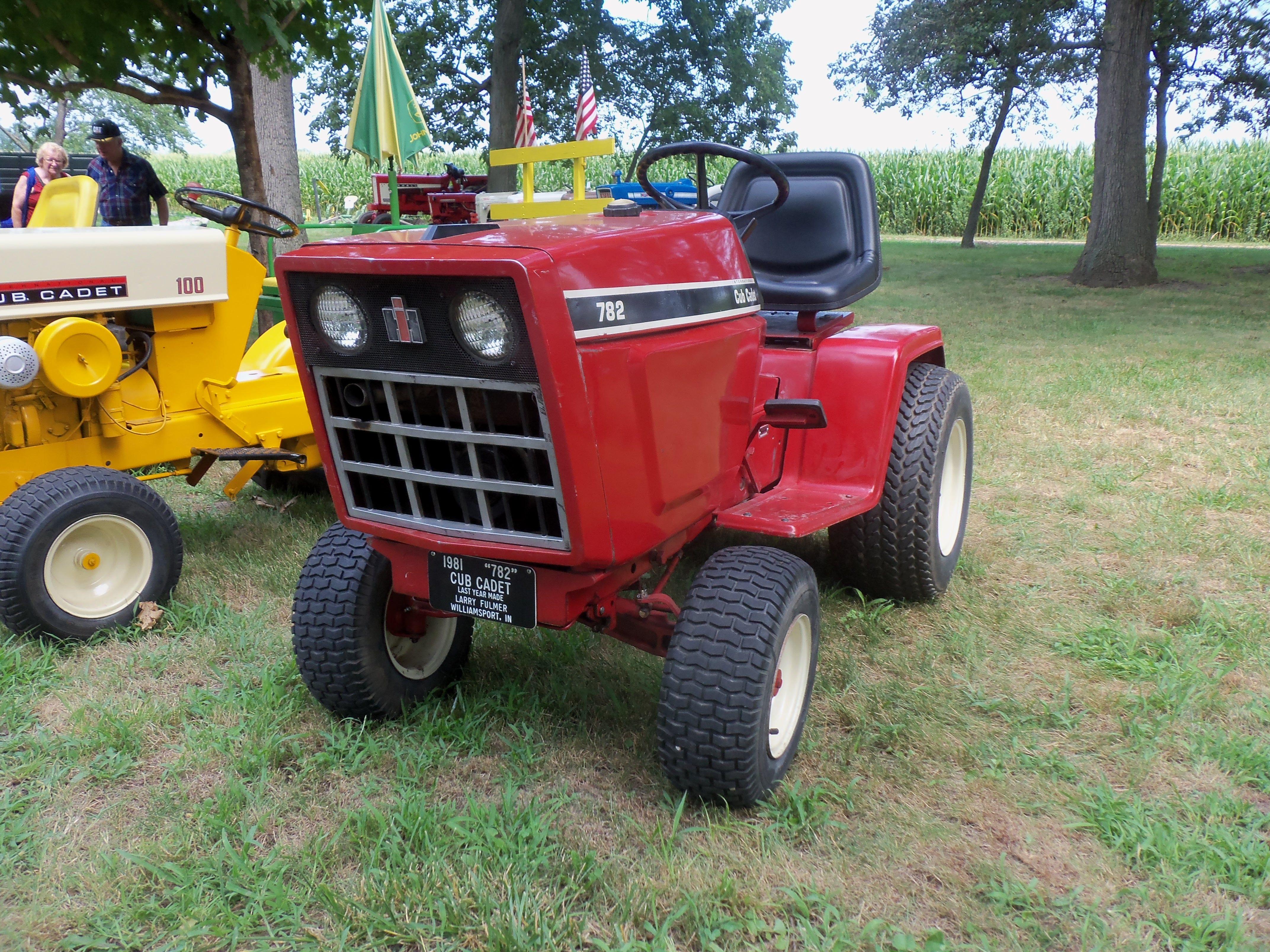 Red Cub Cadet Tractors : Red ih cub cadet international harvester
