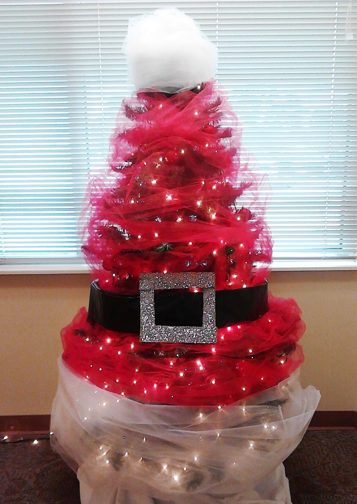 Office Christmas Tree Decorating Contest : Pin by bibi davila on christmas decoration ideas