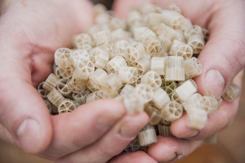 Biofilter aquaponics medium biofilter free engine image for Diy biological filter media