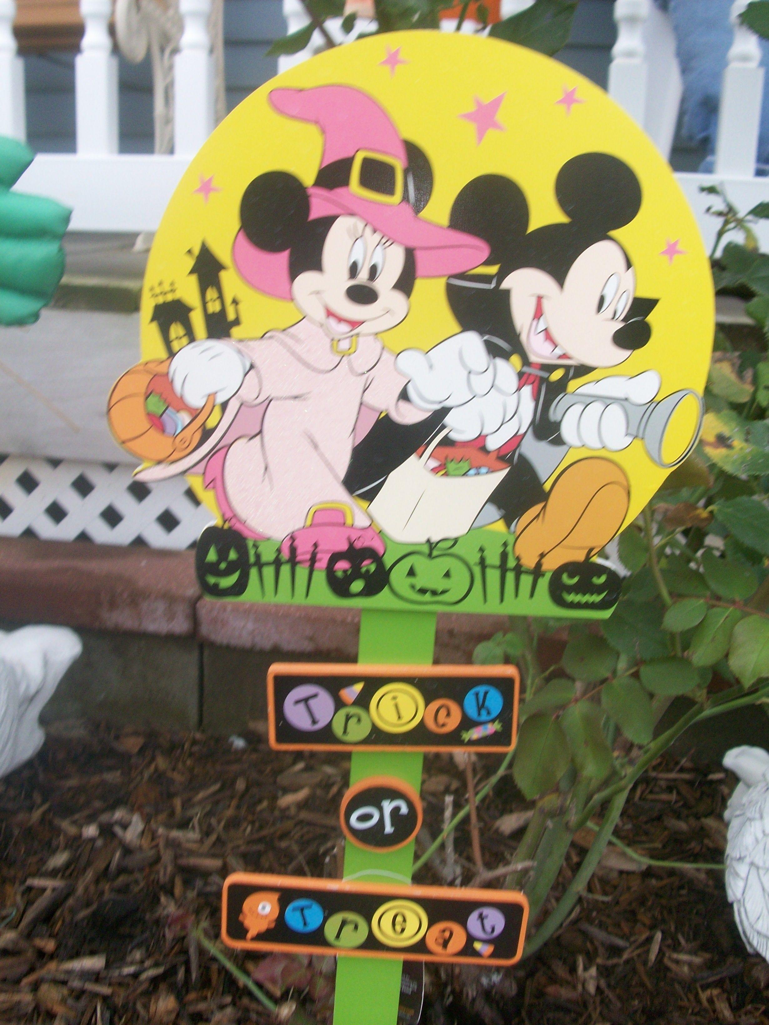 Halloween yard sign disney mickey halloween pinterest