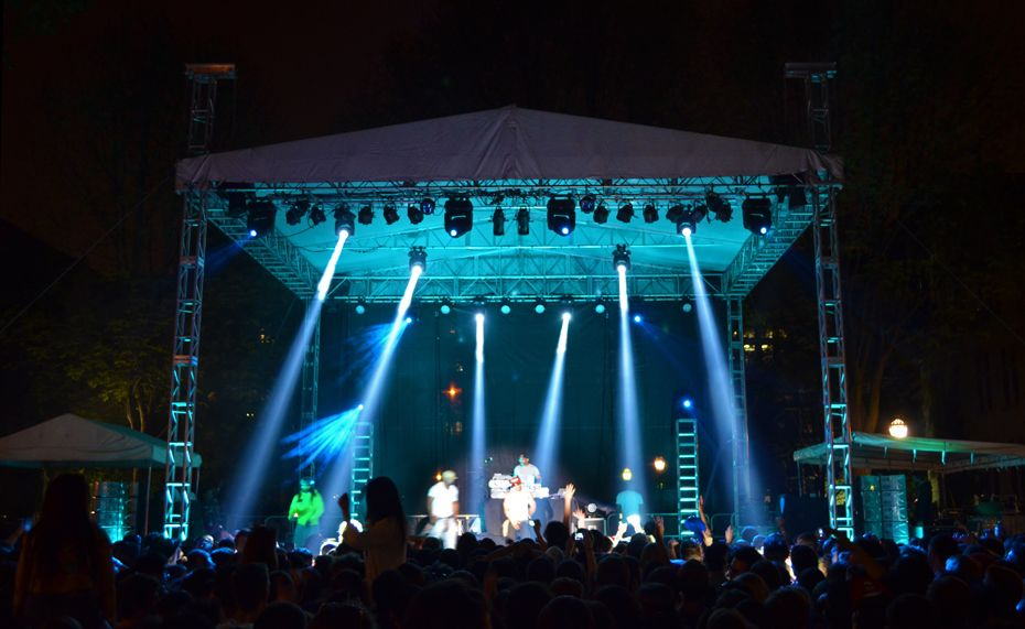 outdoor concert lighting and staging outdoor concert