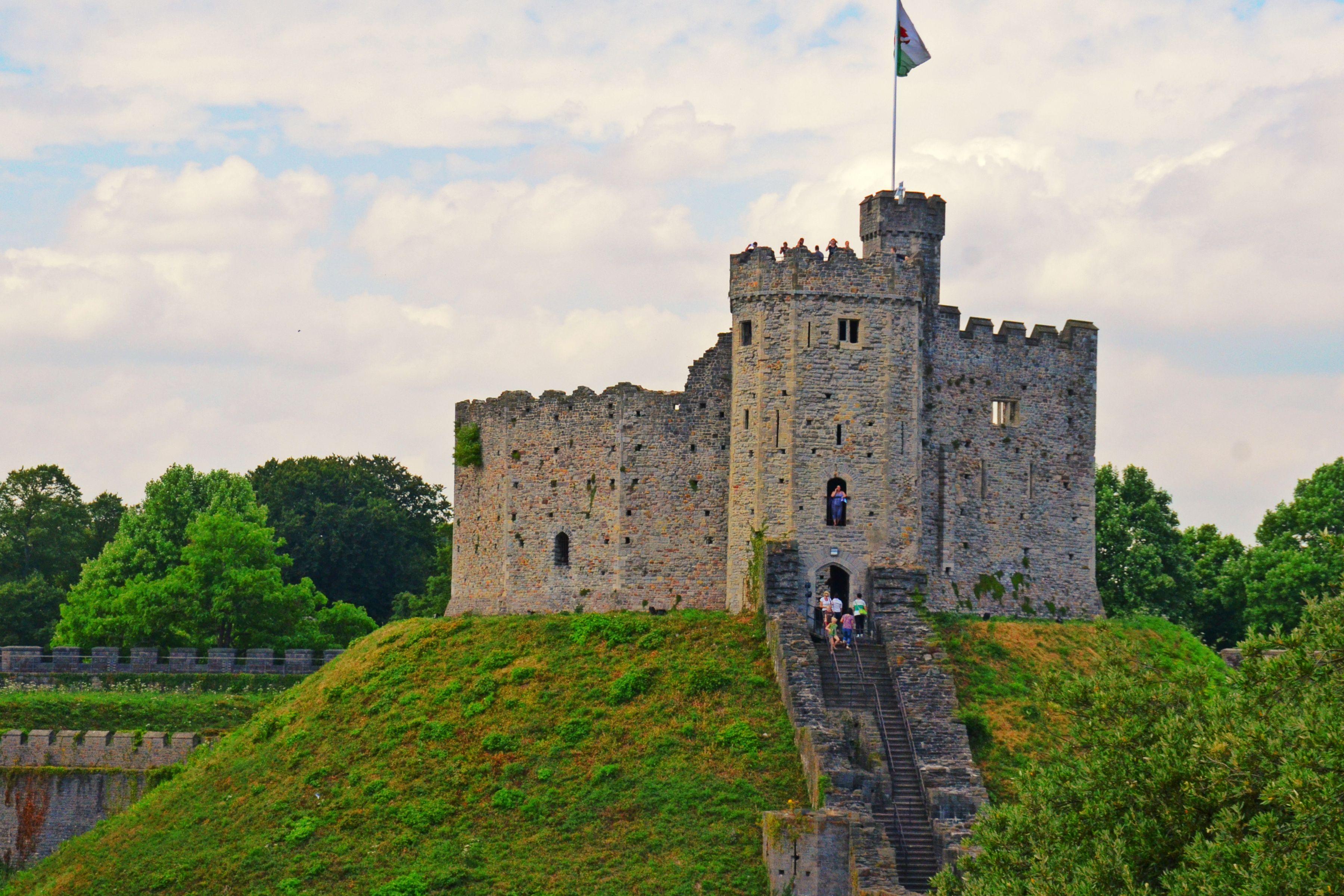 19 top cardiff castle - photo #44