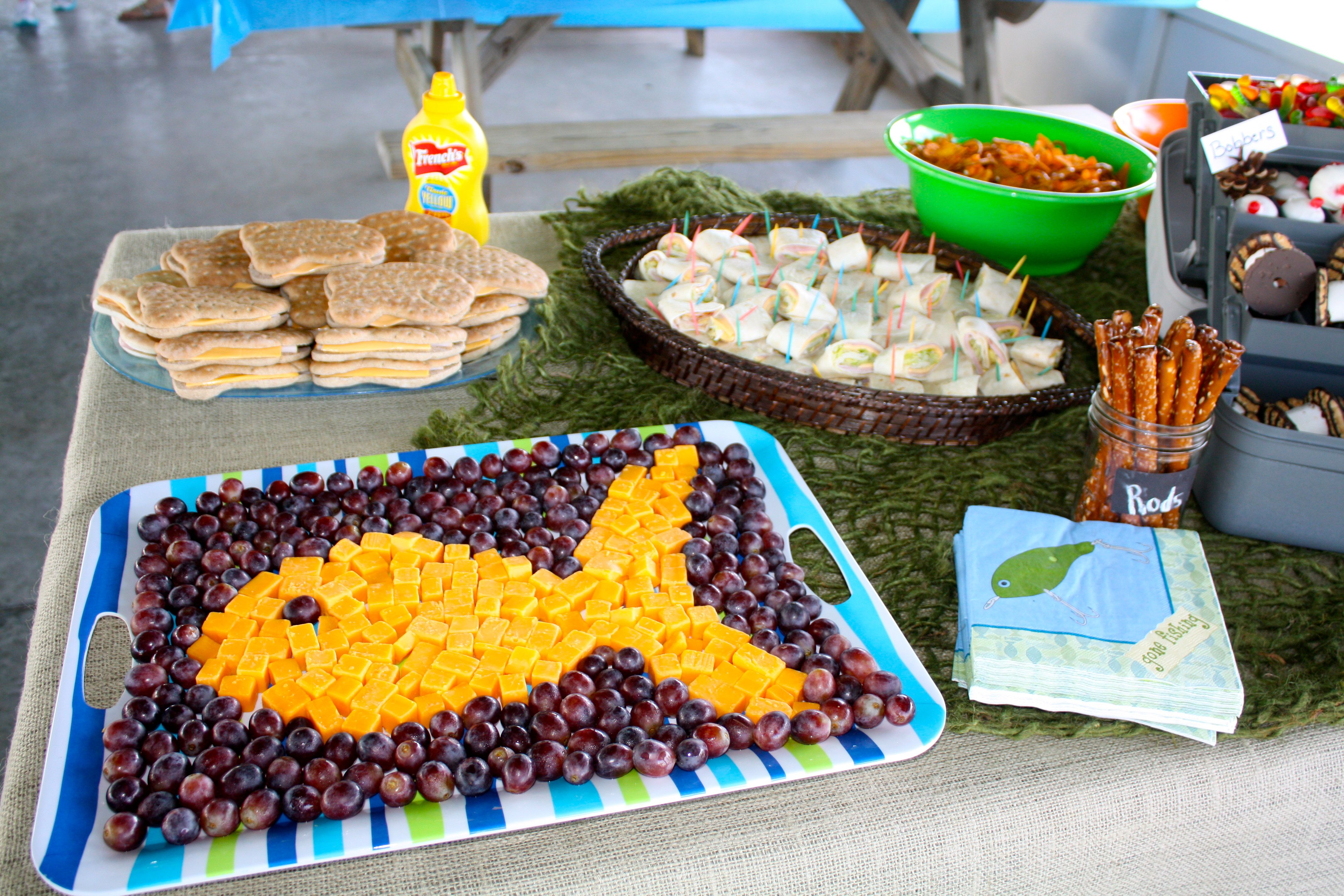 Fish tray party food party ideas pinterest for Fish decoration ideas
